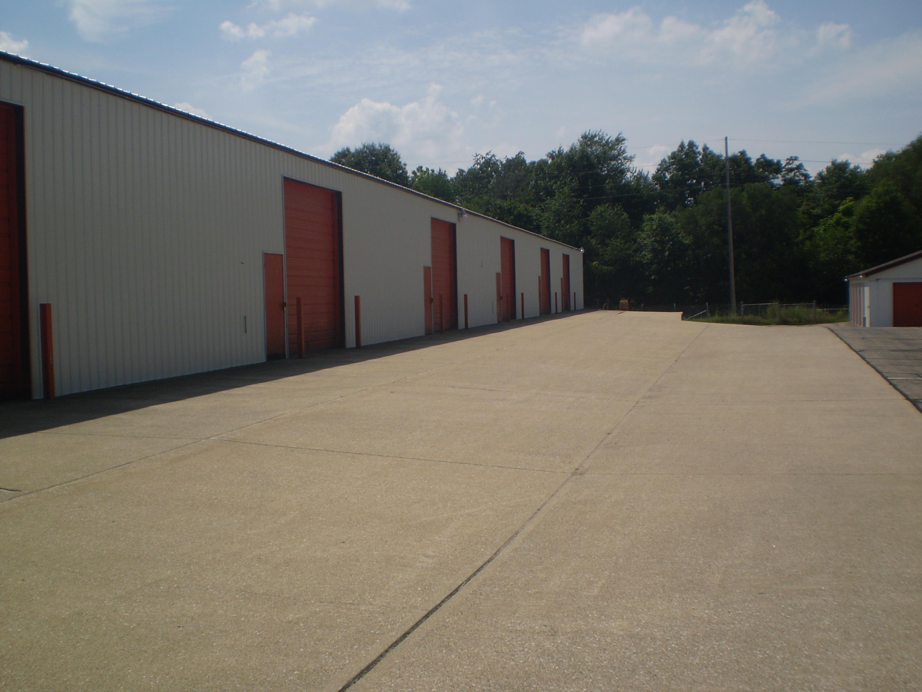 Master Mini Warehouse image 3