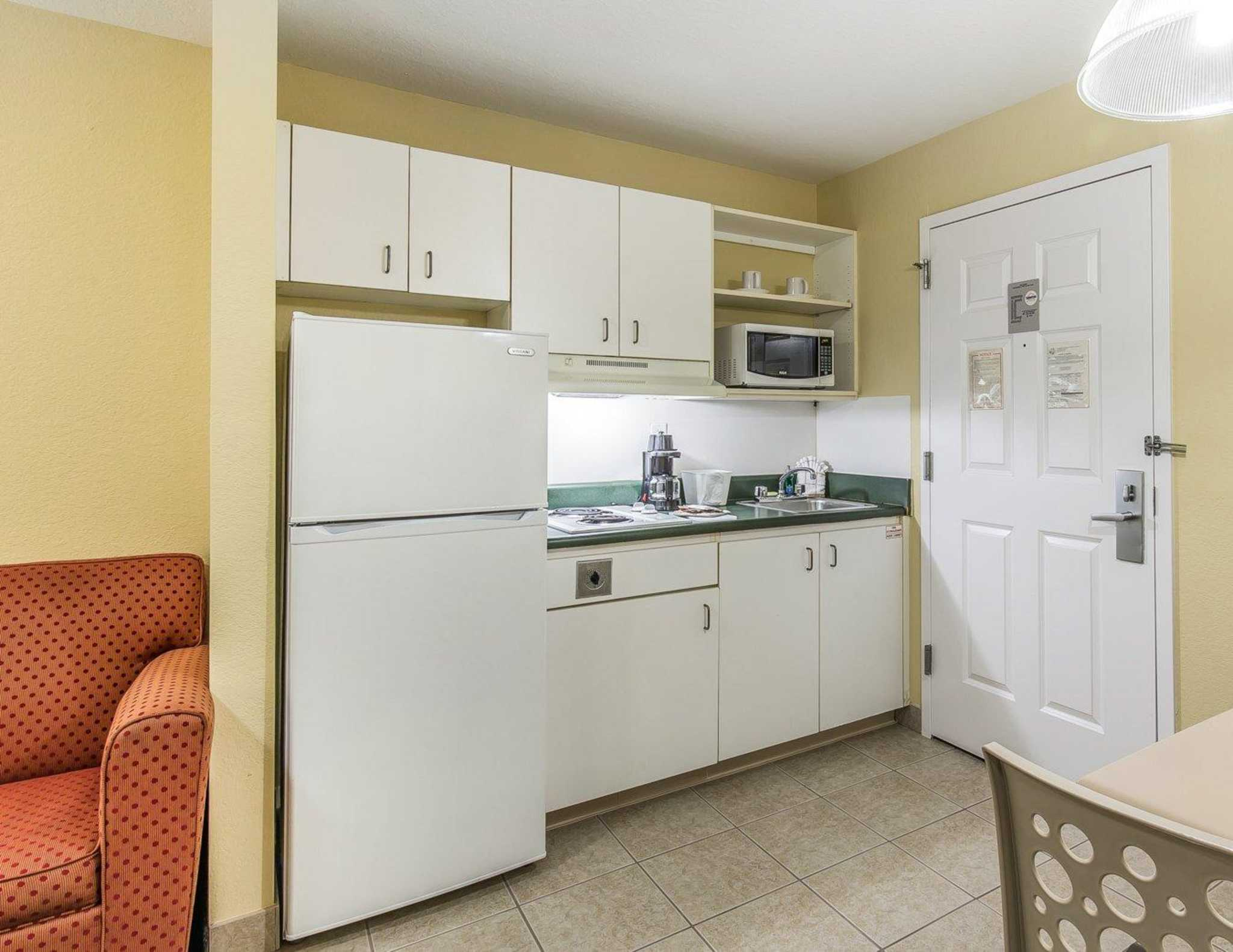 Suburban Extended Stay Hotel Fort Myers Fl