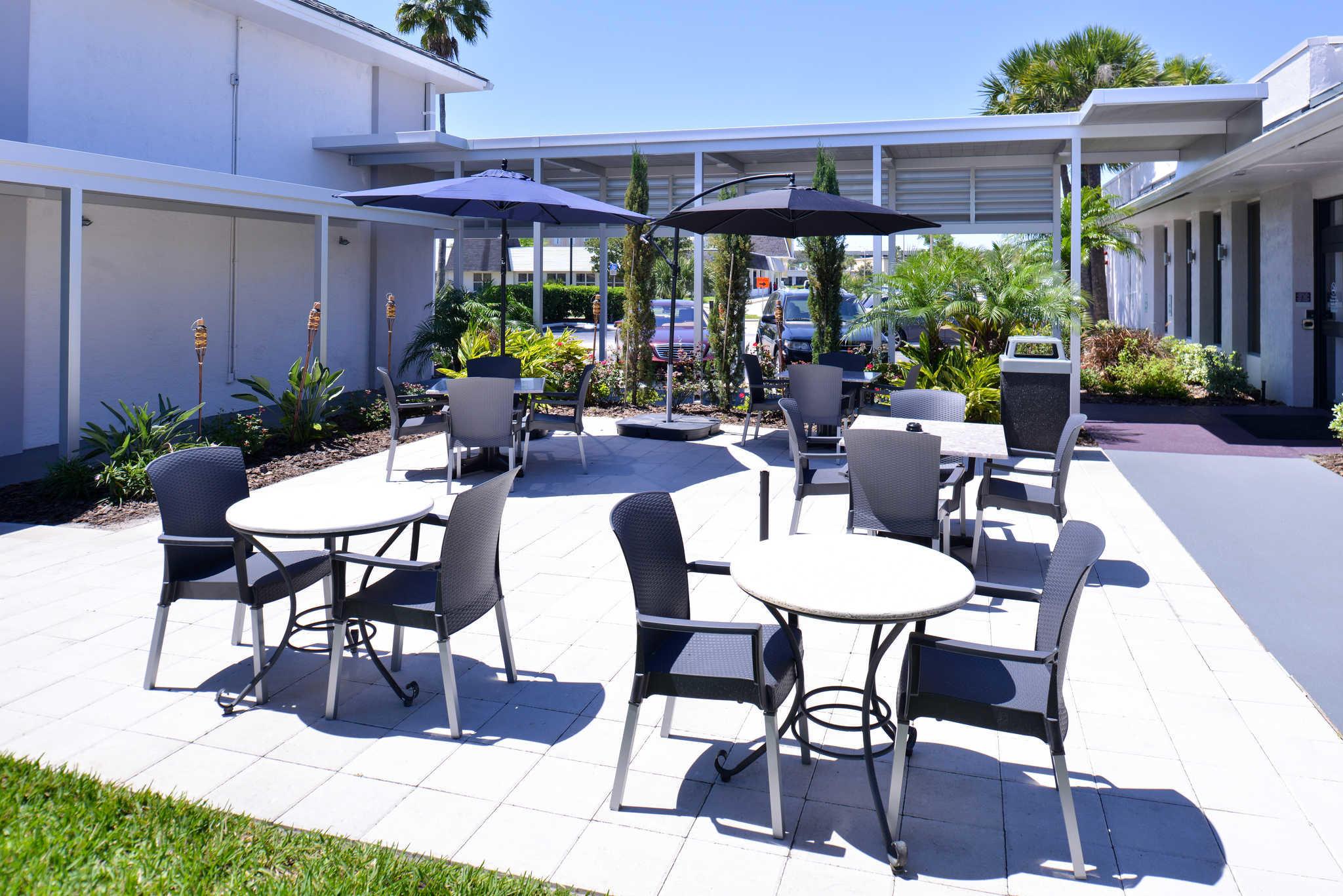 Clarion Inn & Suites Orlando near Theme Parks image 26