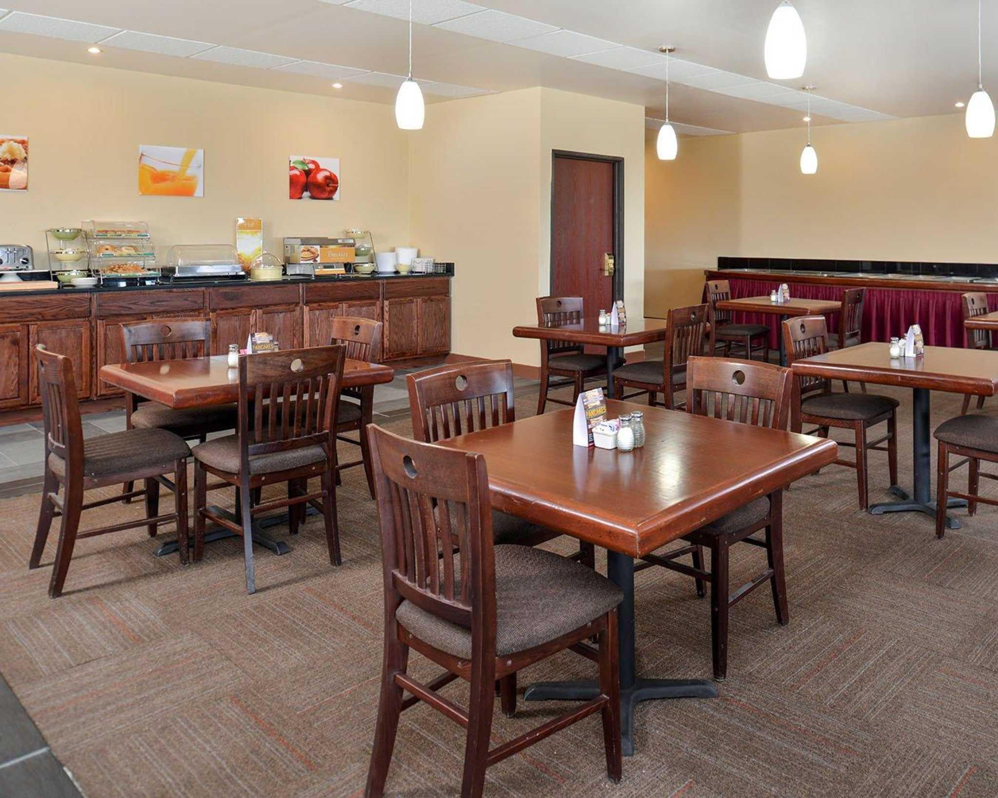 Quality Inn Oklahoma City Airport image 5