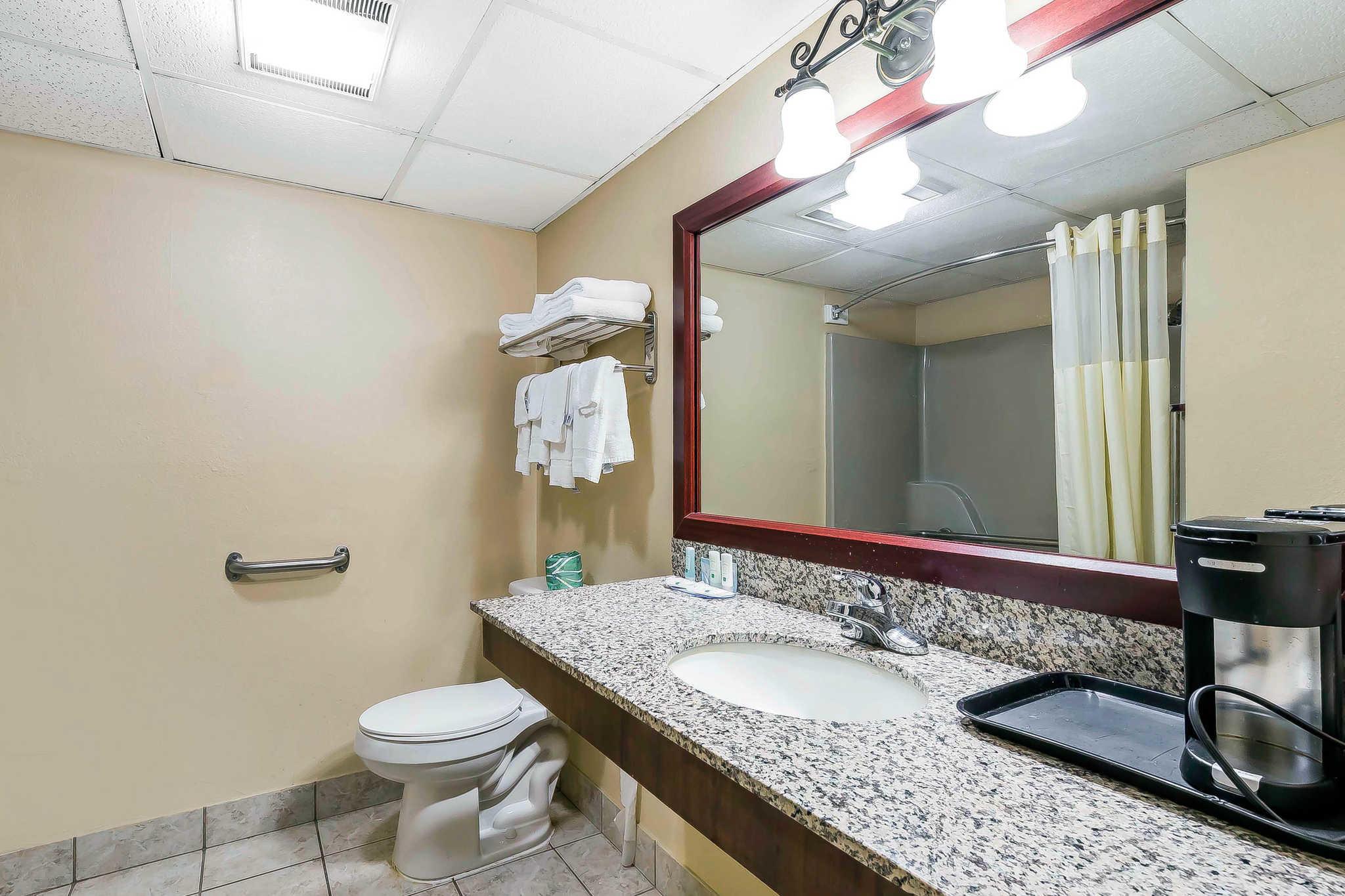 Quality Inn & Suites River Suites image 21