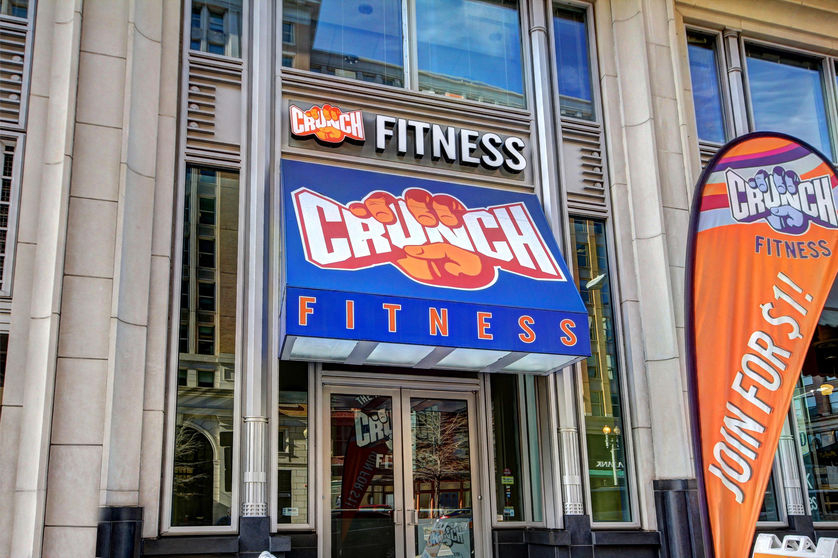 Crunch Fitness - Metro Center image 0