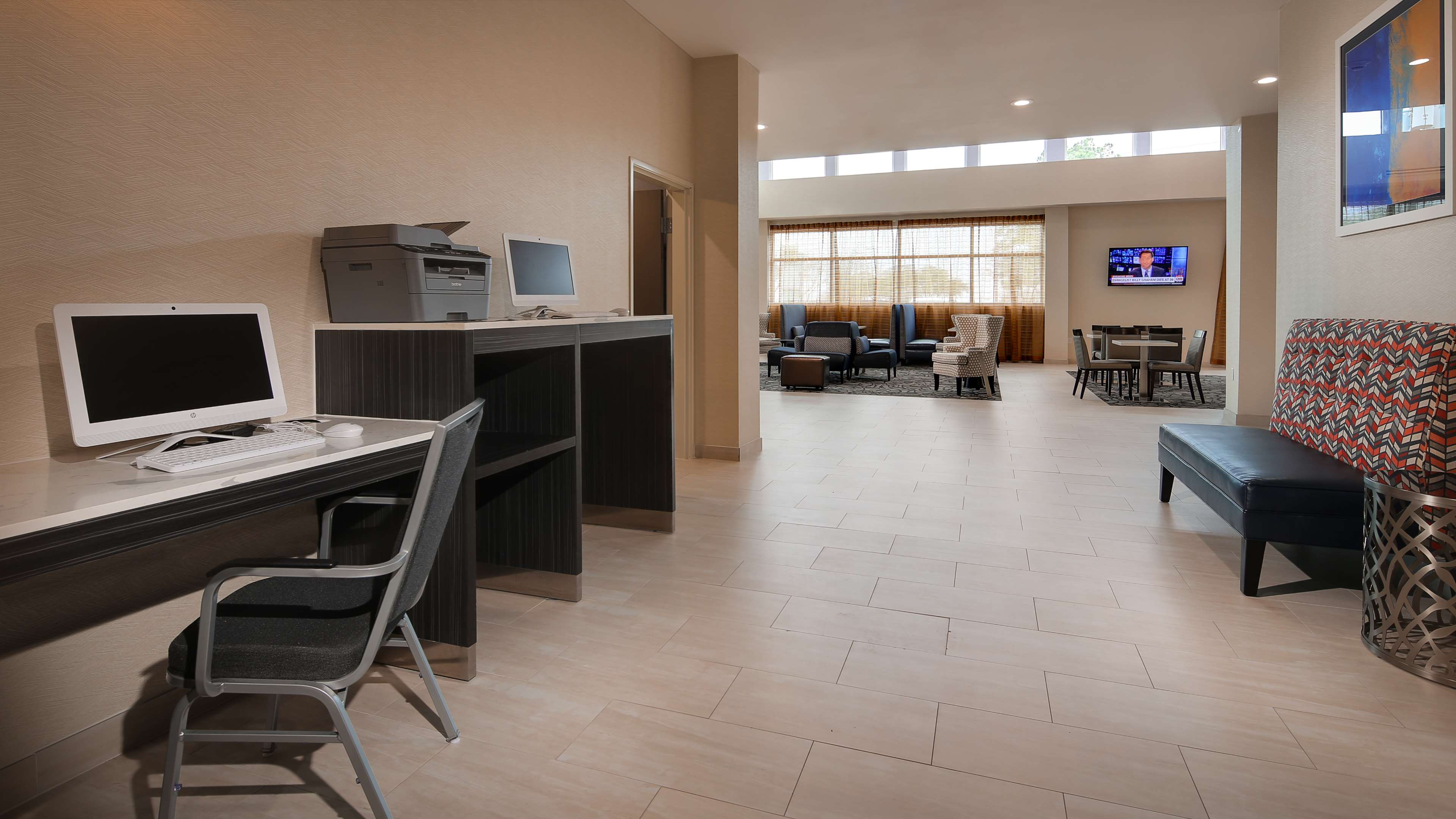 Best Western Plus Executive Residency Baytown image 9