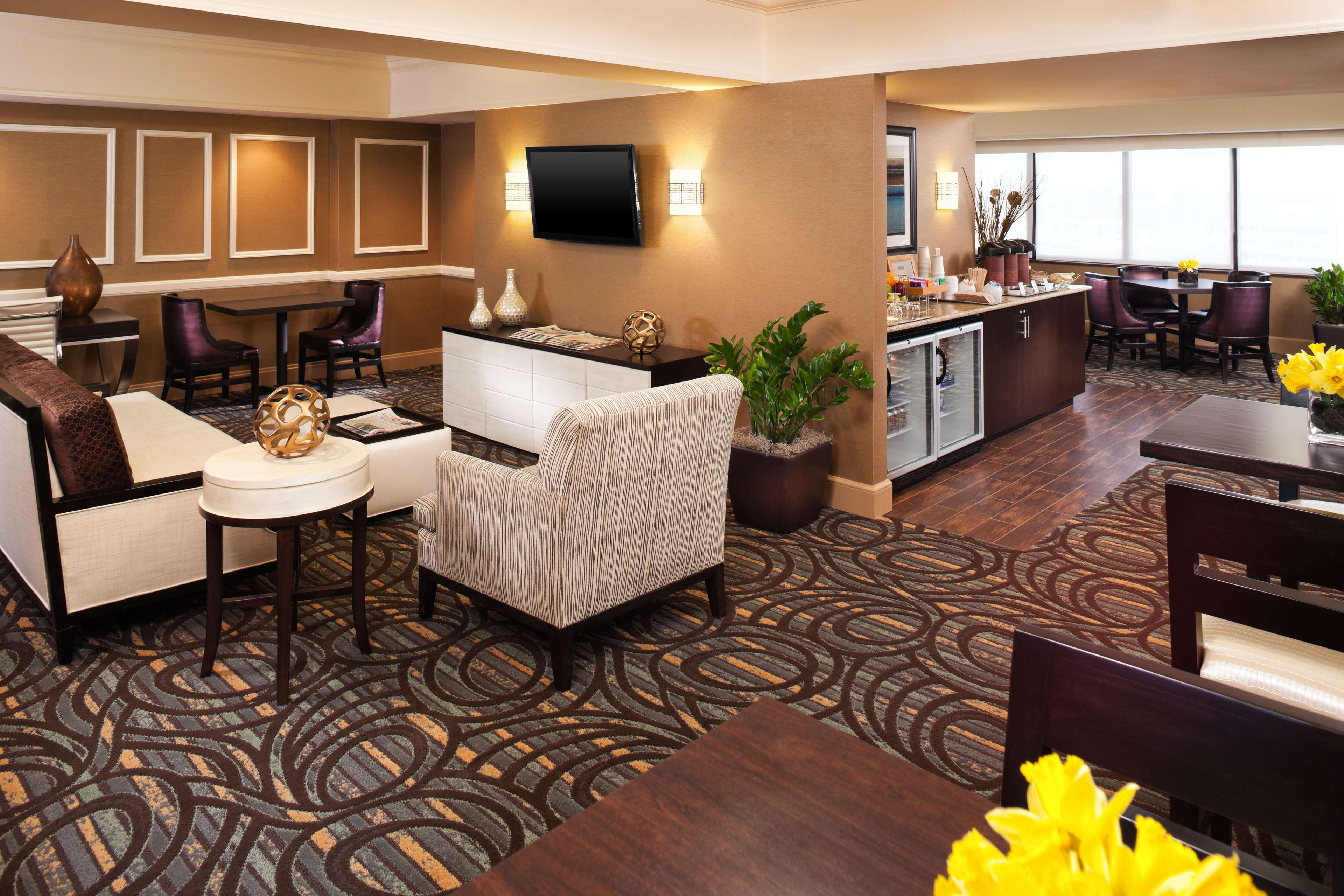 Sheraton Suites Chicago O'Hare image 8