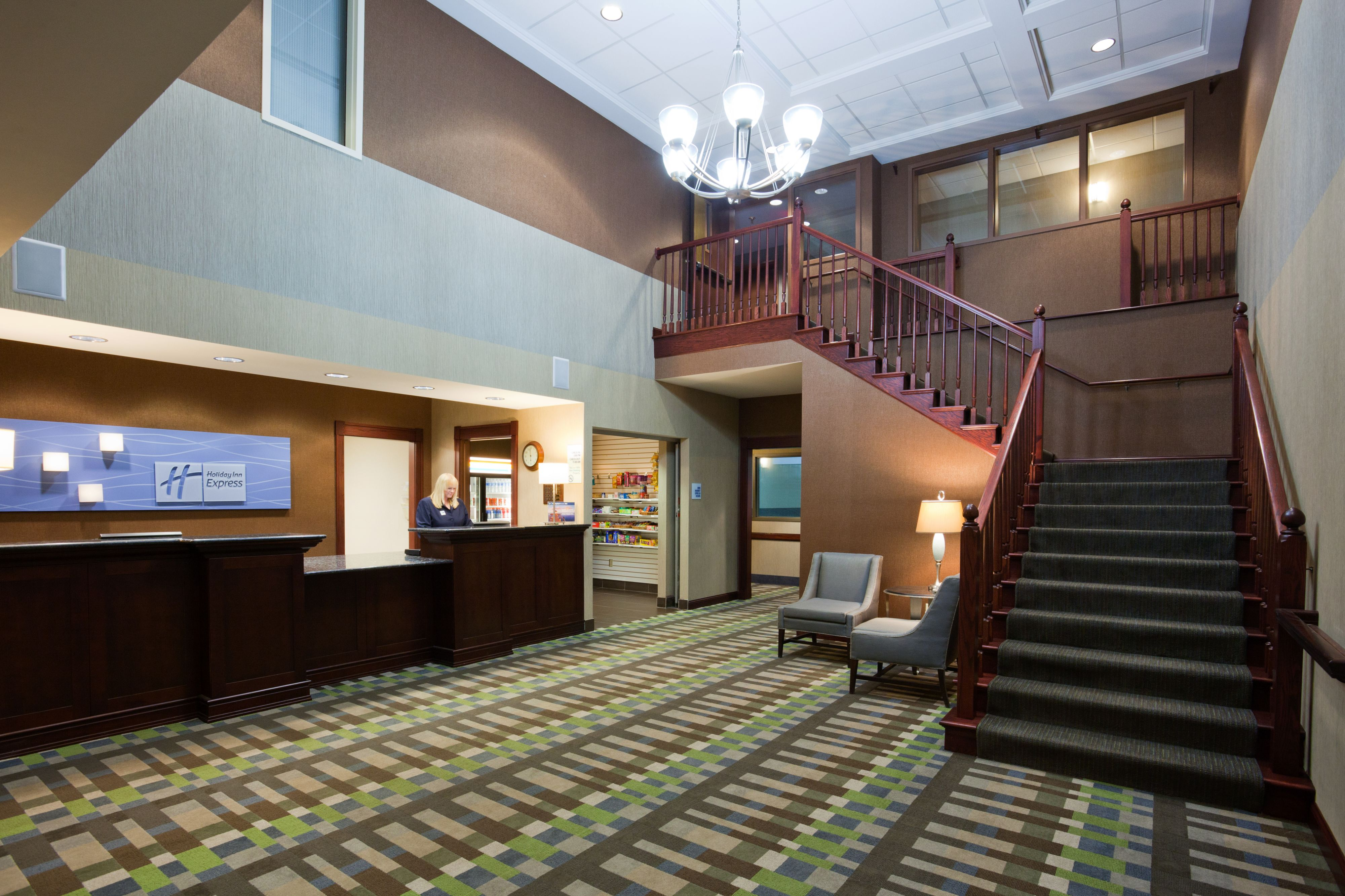 Holiday Inn Express & Suites St. Paul Ne (Vadnais Heights) image 4