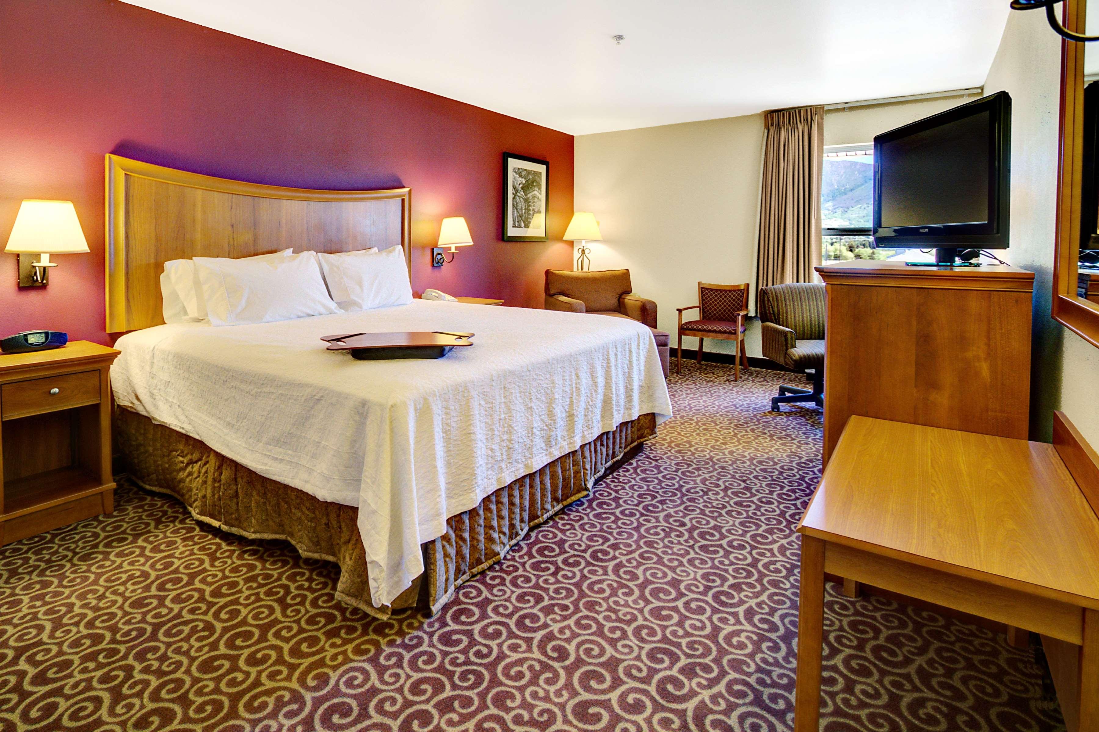 Hampton Inn Butte image 24