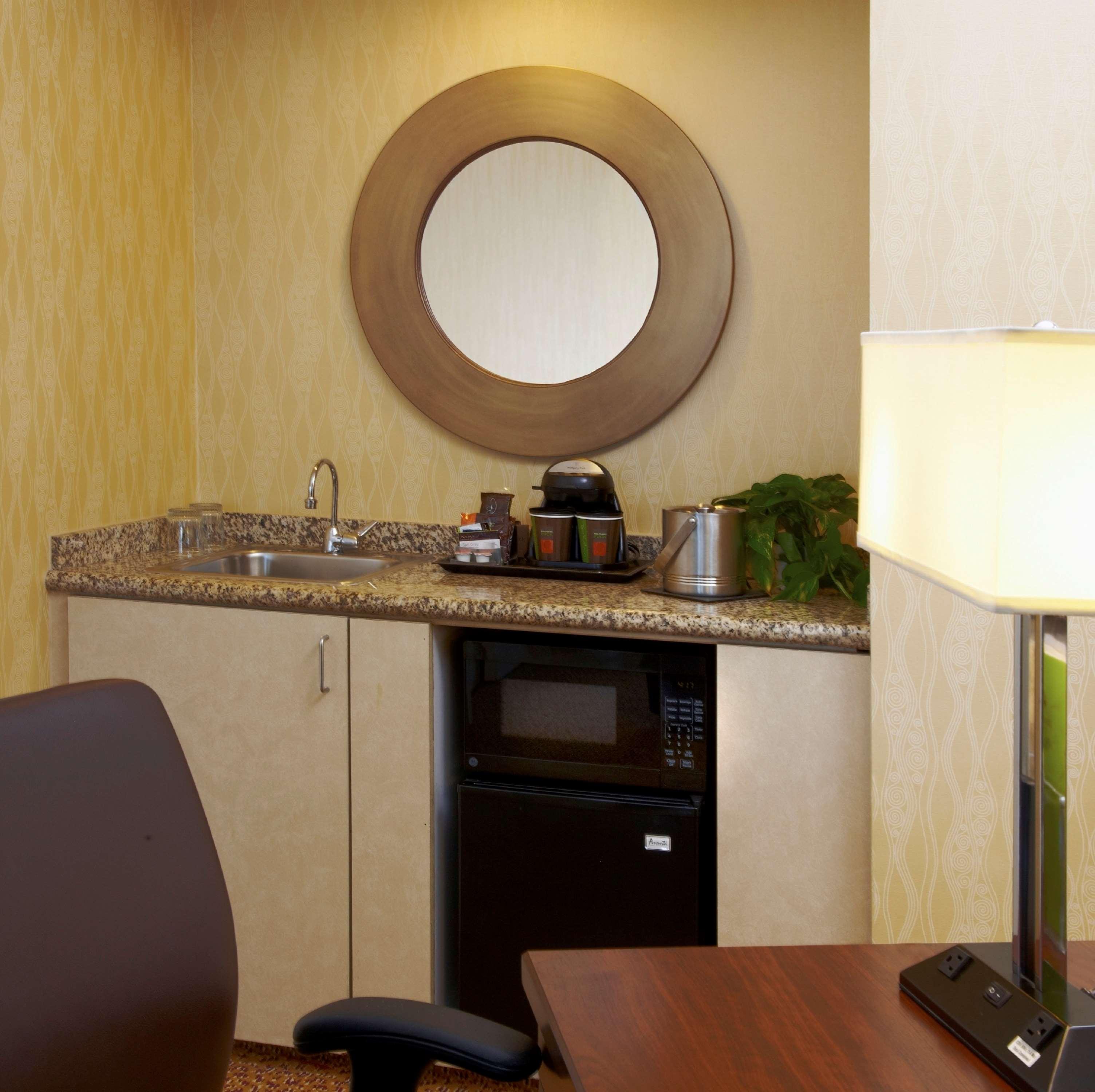 DoubleTree Suites by Hilton Hotel Santa Monica image 10