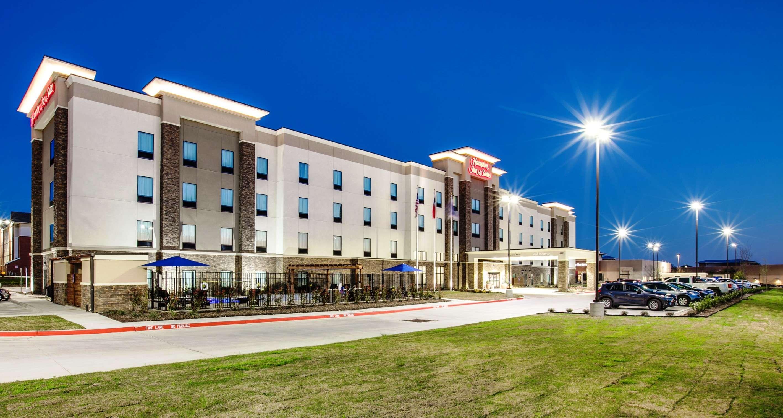 Hampton Inn & Suites Dallas/Ft. Worth Airport South image 3
