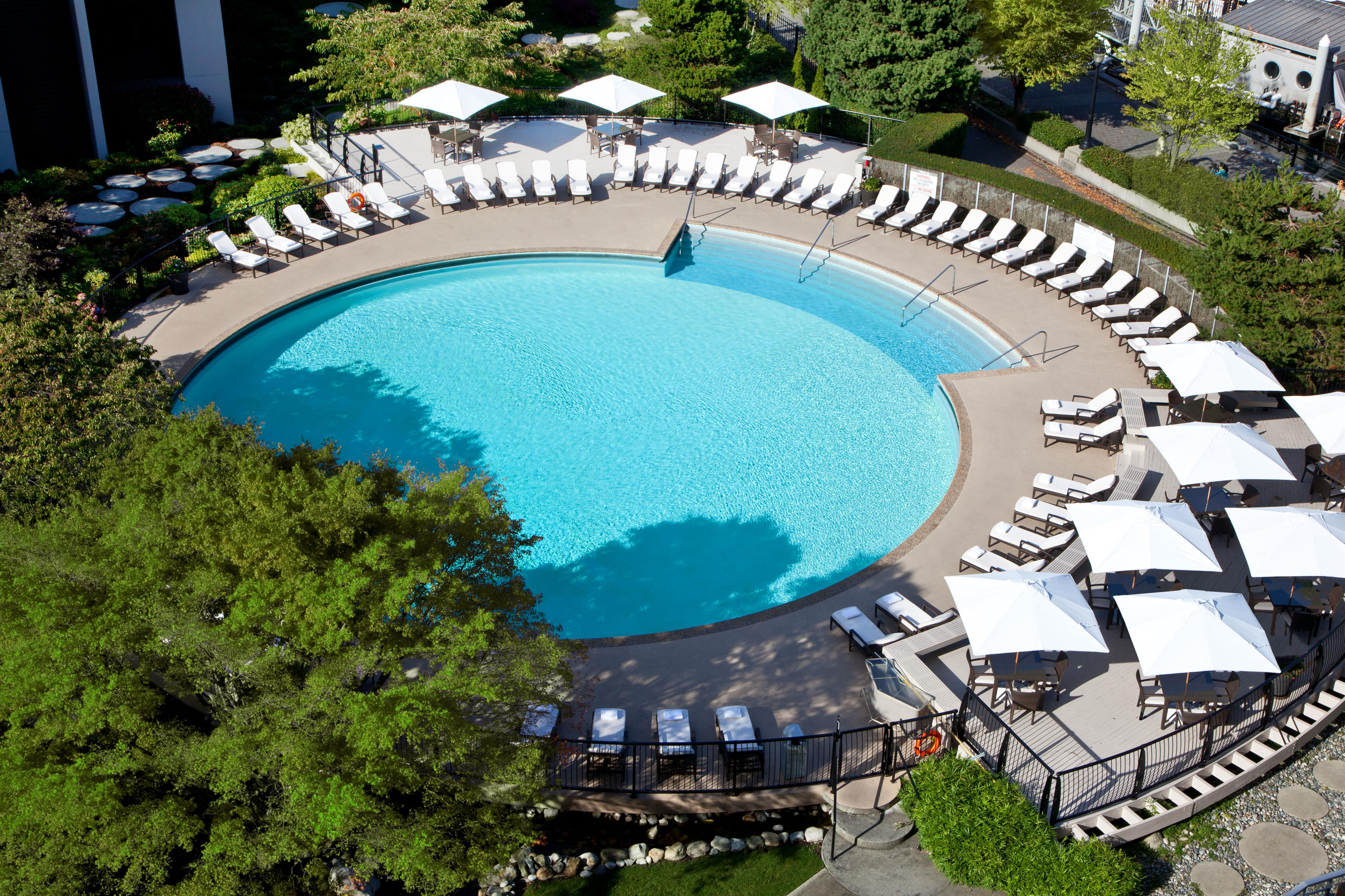 The Westin Bayshore, Vancouver in Vancouver: Exterior Pool