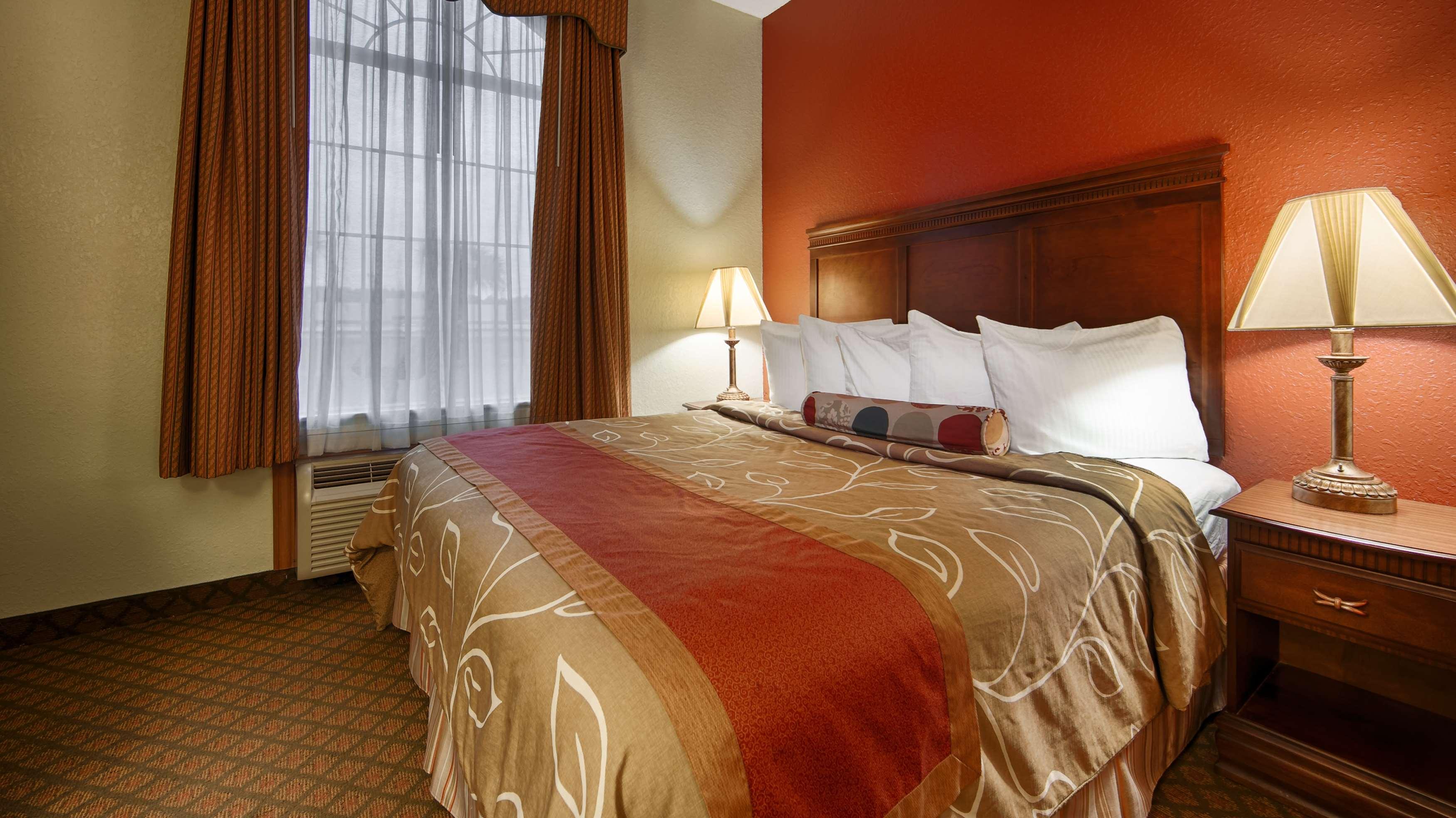 Best Western Plus Bradbury Inn & Suites image 17
