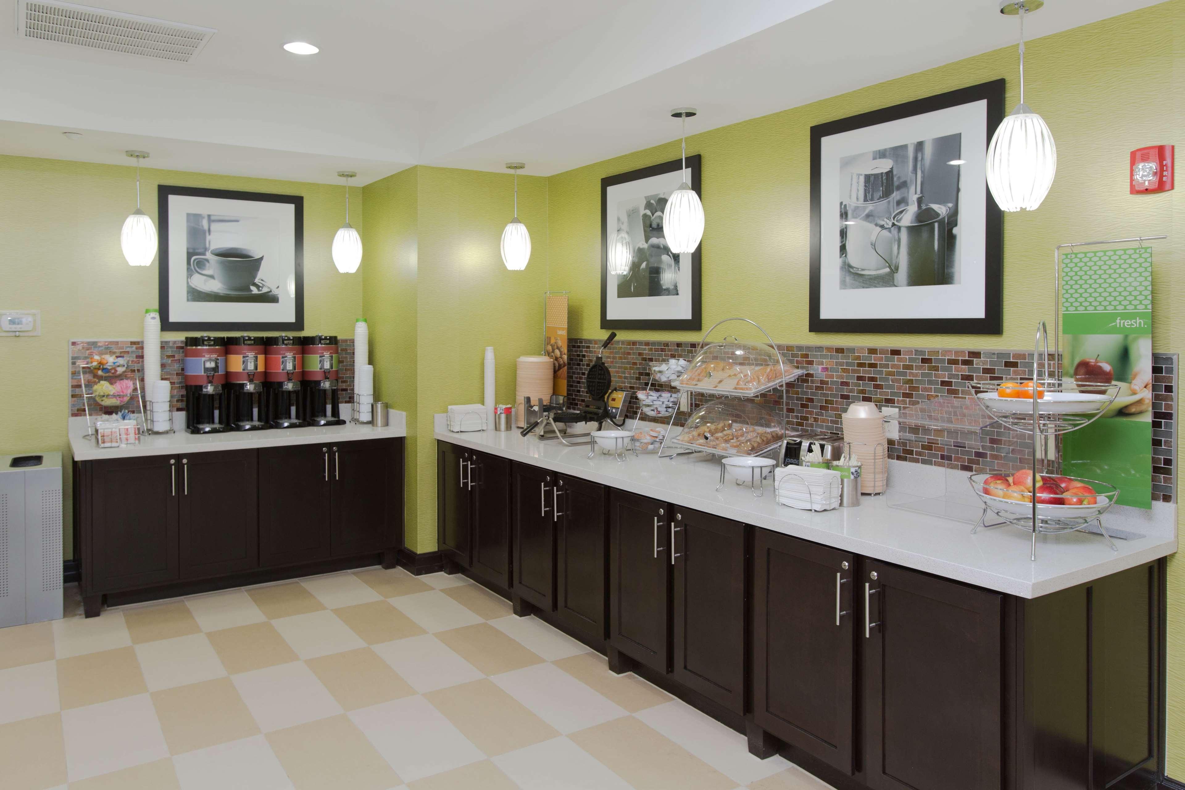 Hampton Inn & Suites Missouri City, TX image 17