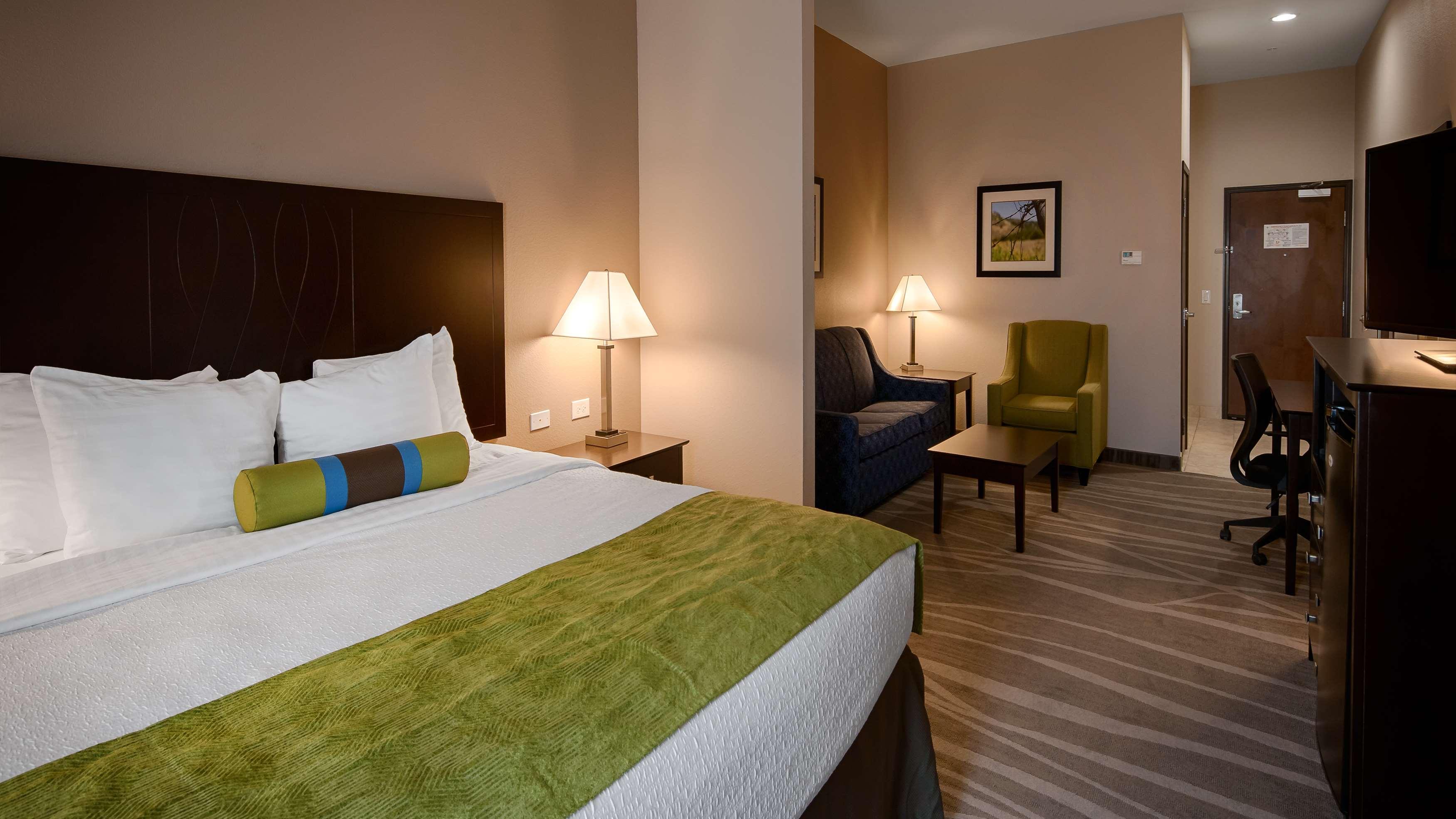 Best Western Plus Denver City Hotel & Suites image 9