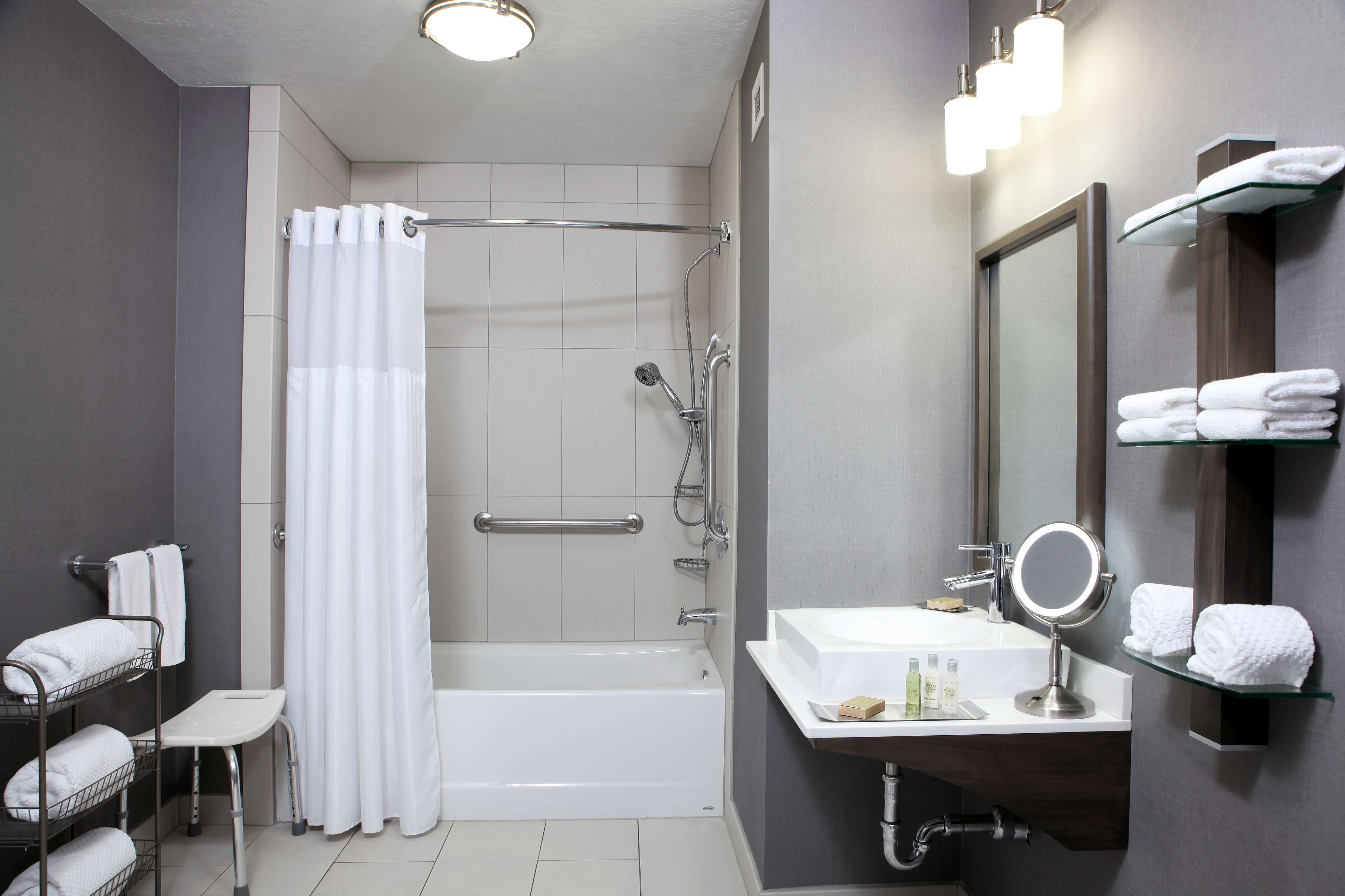 DoubleTree by Hilton West Fargo image 21