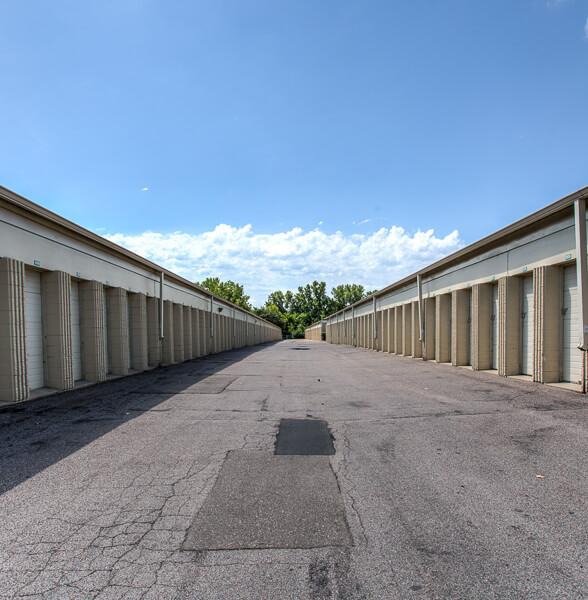 iStorage St. Louis Park image 2