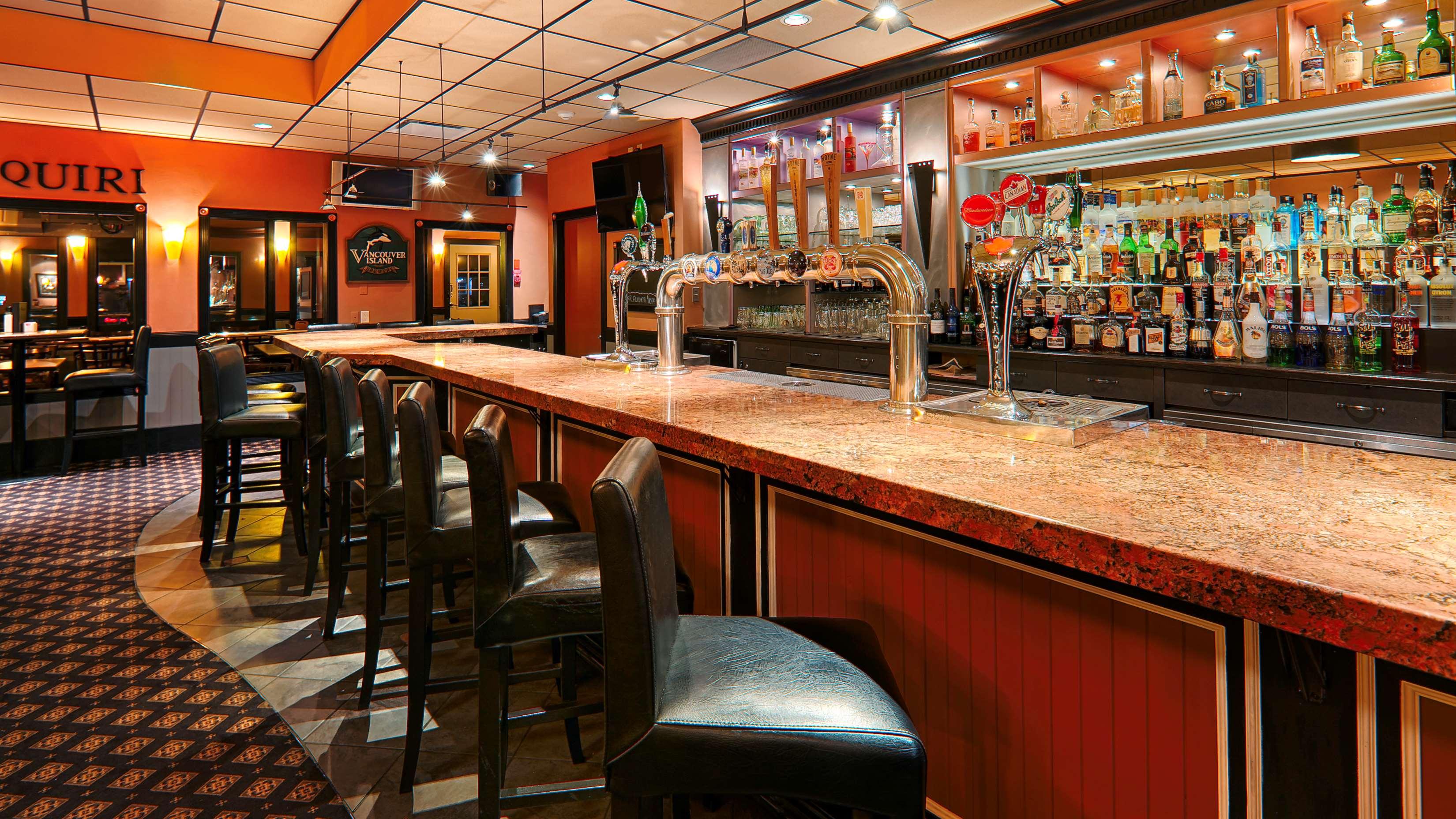 Best Western Cowichan Valley Inn in Duncan: Bar/Lounge