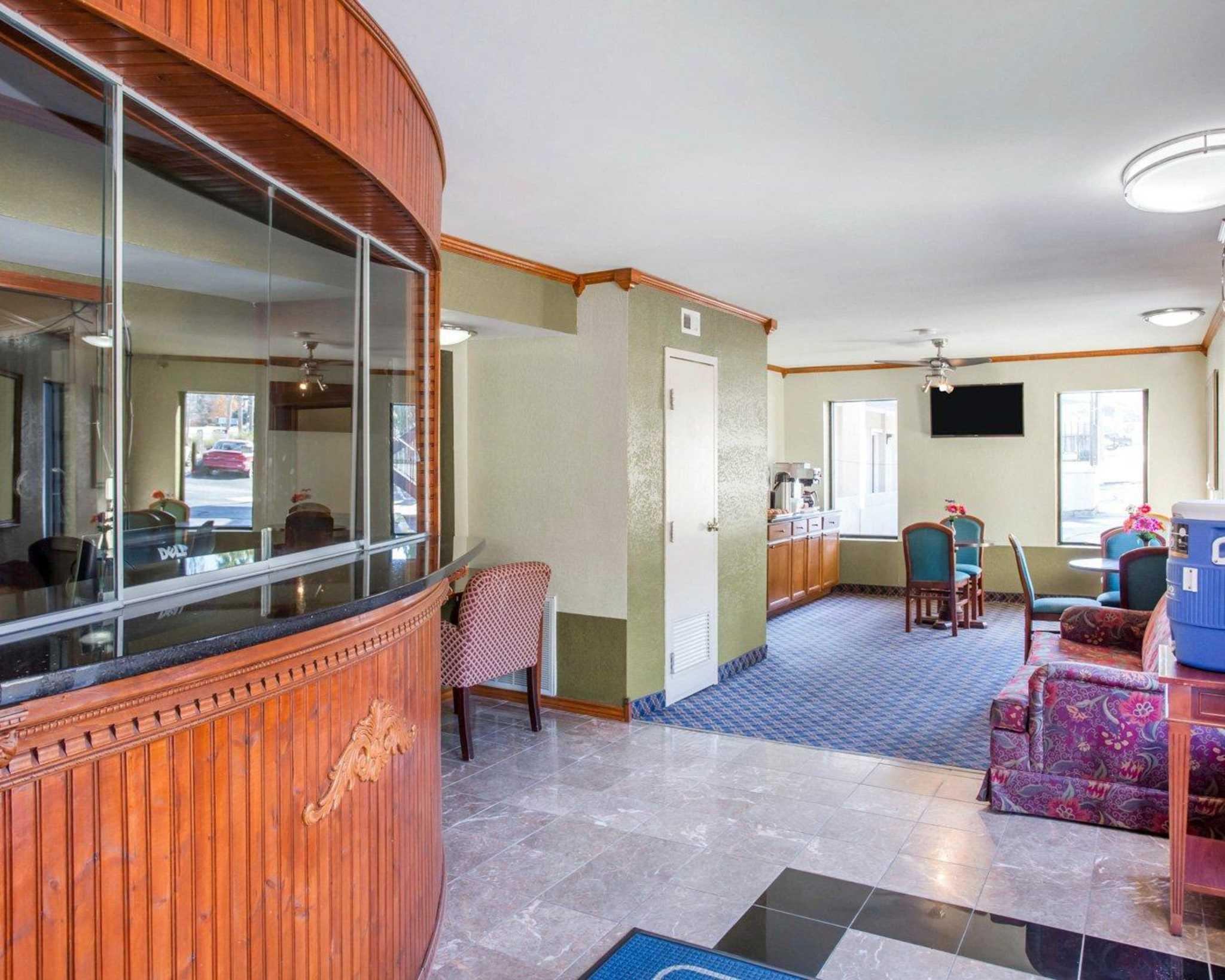 Rodeway Inn & Suites Fort Jackson image 13