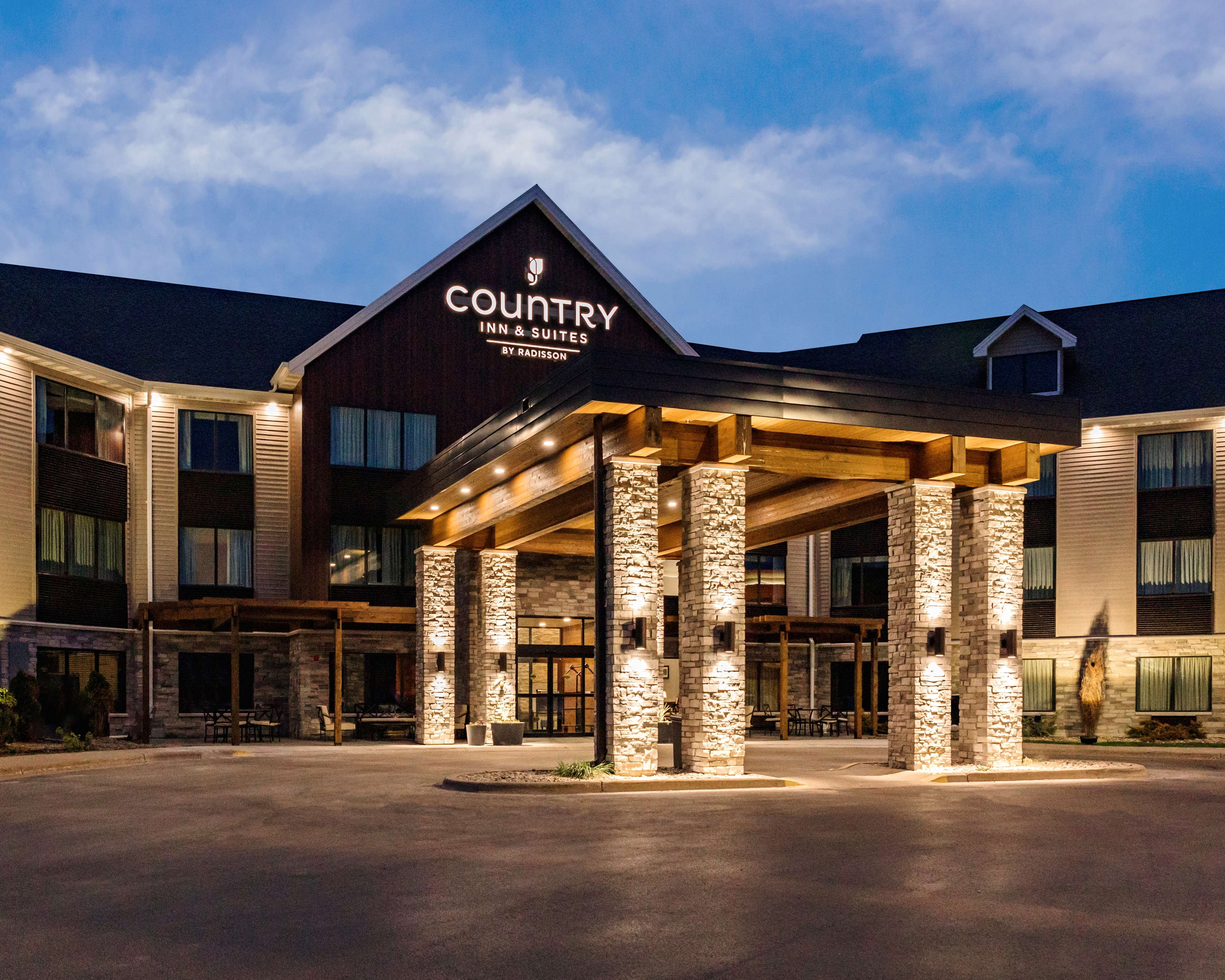 Country Inn Suites By Radisson Appleton Wi 355 Fox River Drive