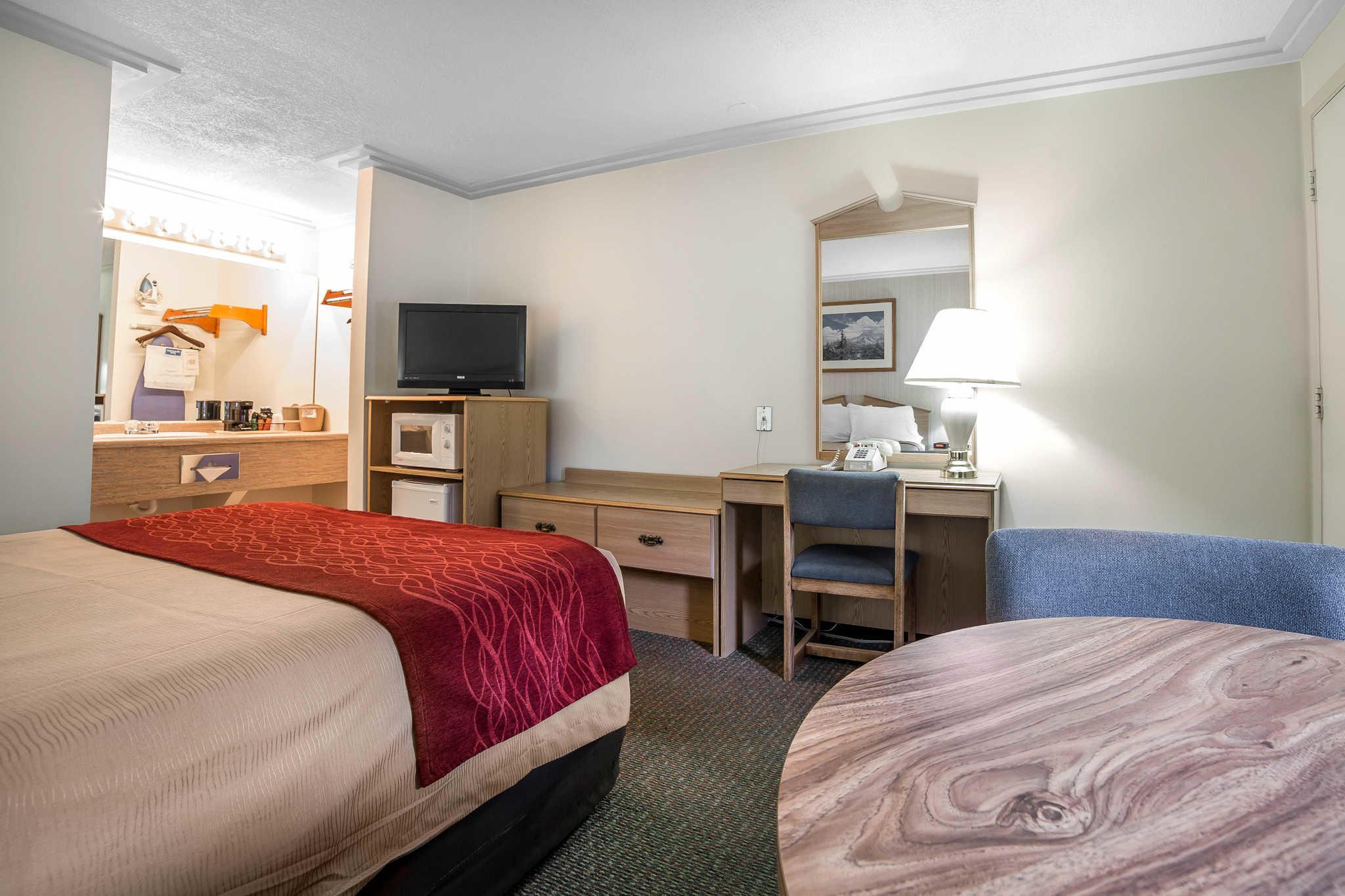 Rodeway Inn Pronghorn Lodge image 28
