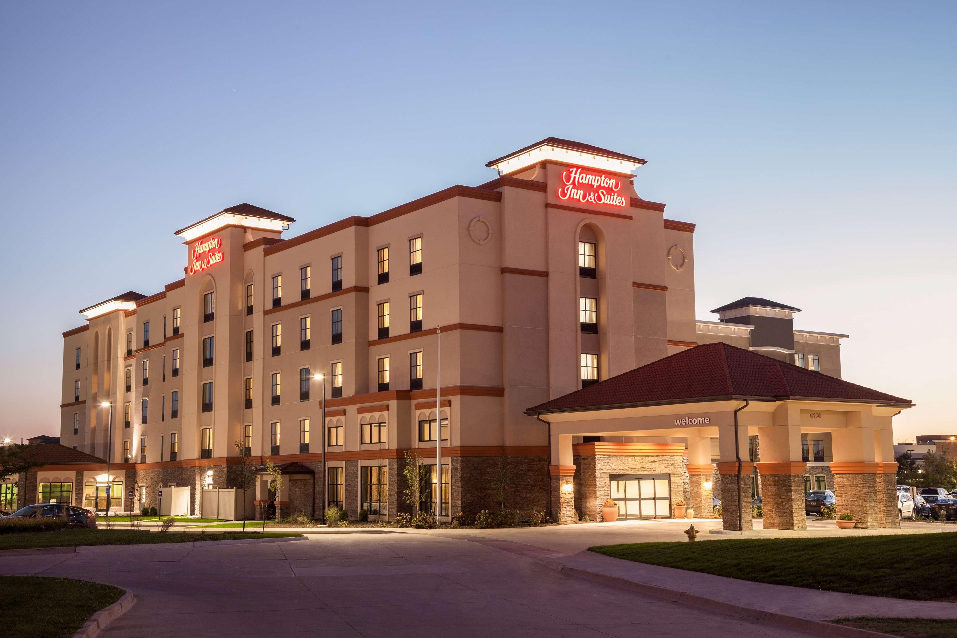 Hampton Inn & Suites West Des Moines/SW Mall Area image 0