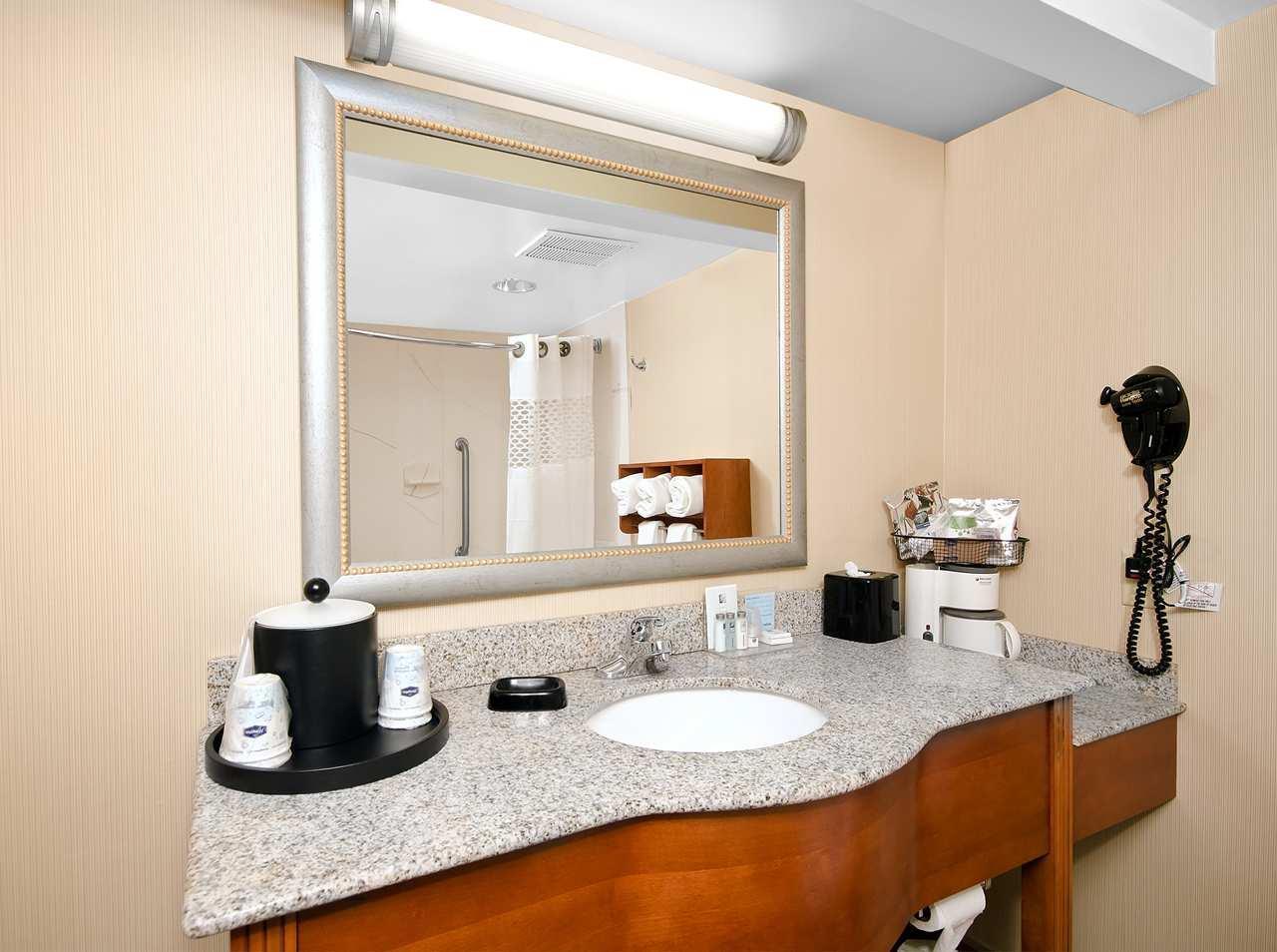 Hampton Inn Asheboro image 27