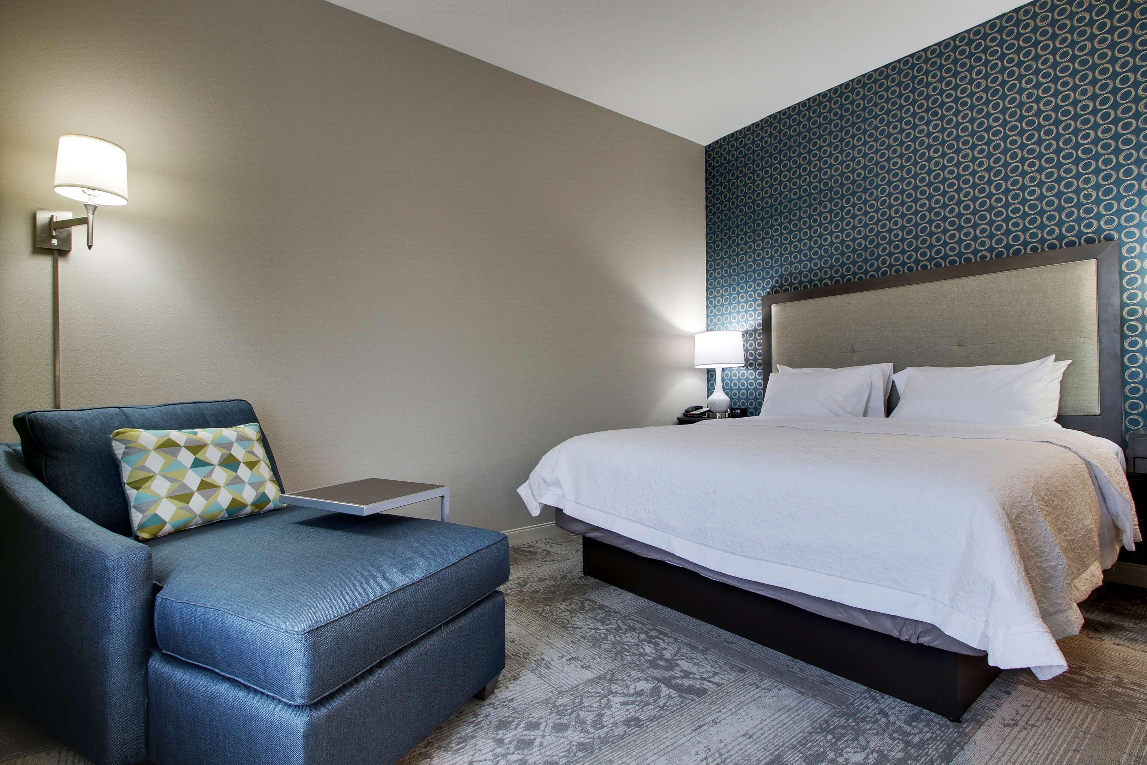 Hampton Inn & Suites Knightdale Raleigh image 33