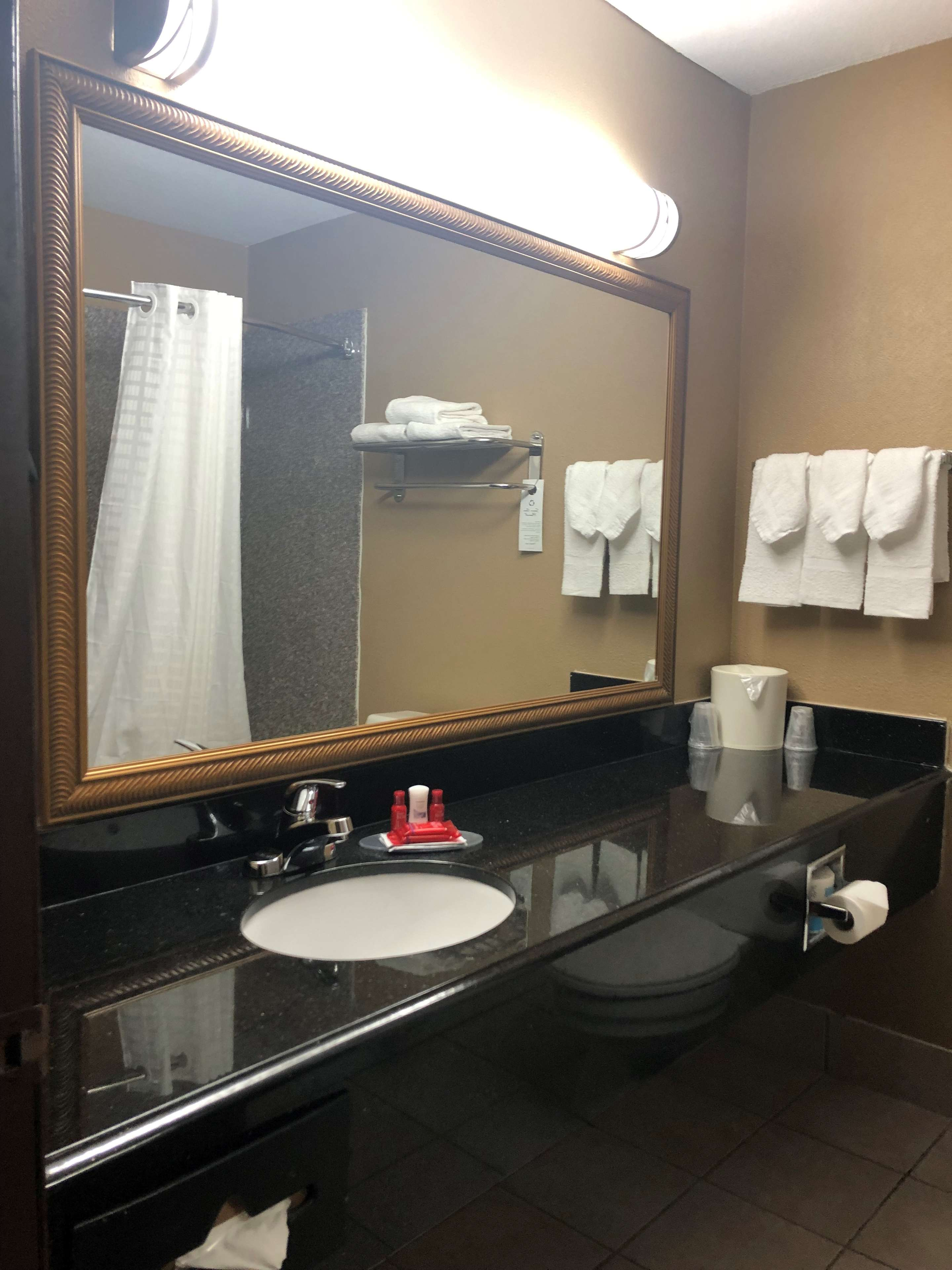 SureStay Plus Hotel by Best Western Oklahoma City North image 19