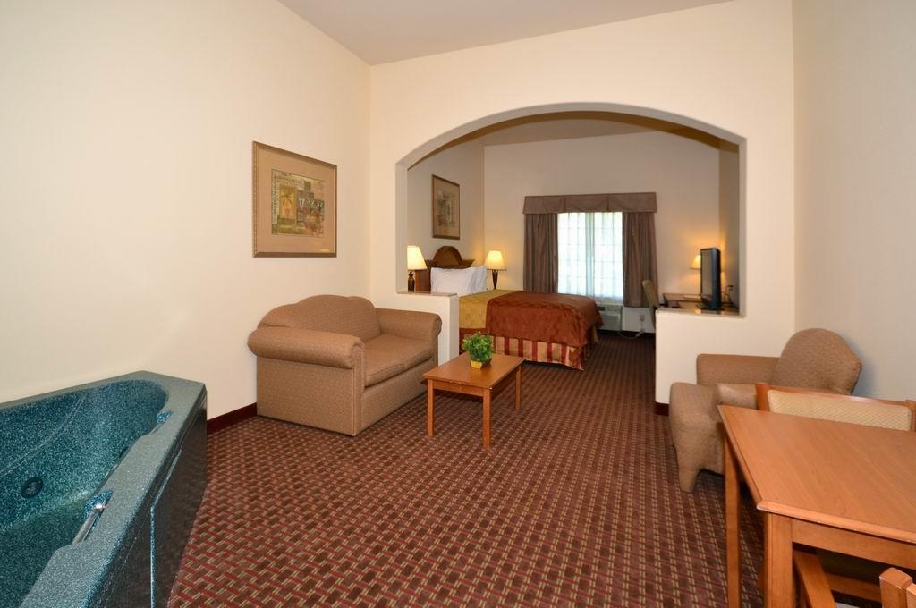 Best Western Casa Villa Suites image 9