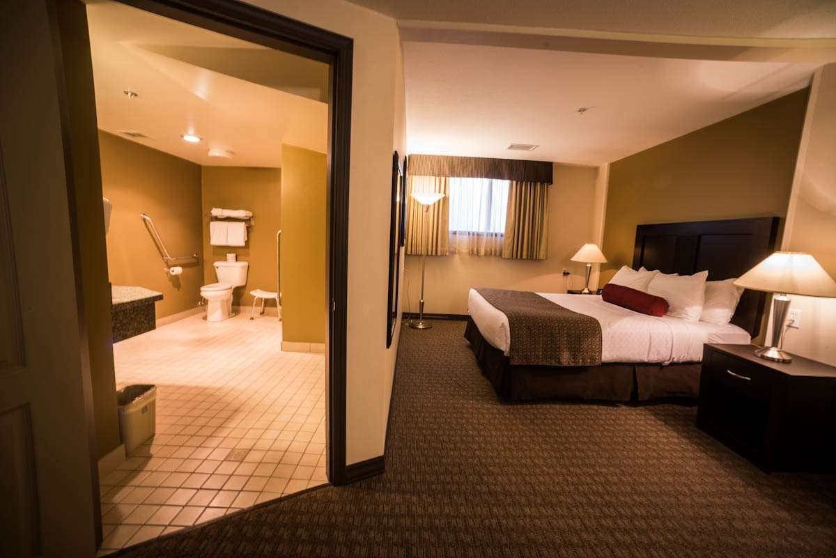 Best Western Plus Baker Street Inn & Convention Centre in Nelson: Mobility Accessible One Queen Room