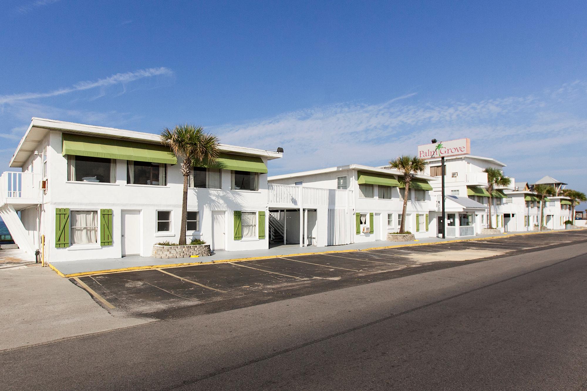Palm Grove image 0