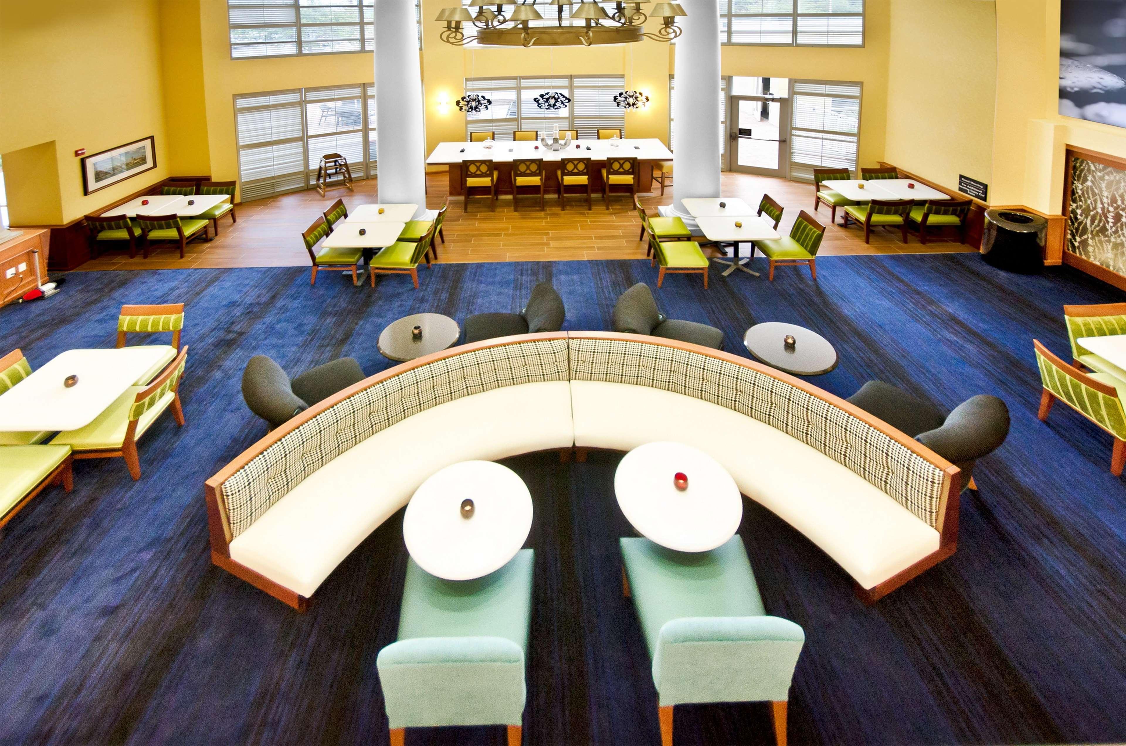Hampton Inn & Suites Jacksonville South-St. Johns Town Center Area image 33
