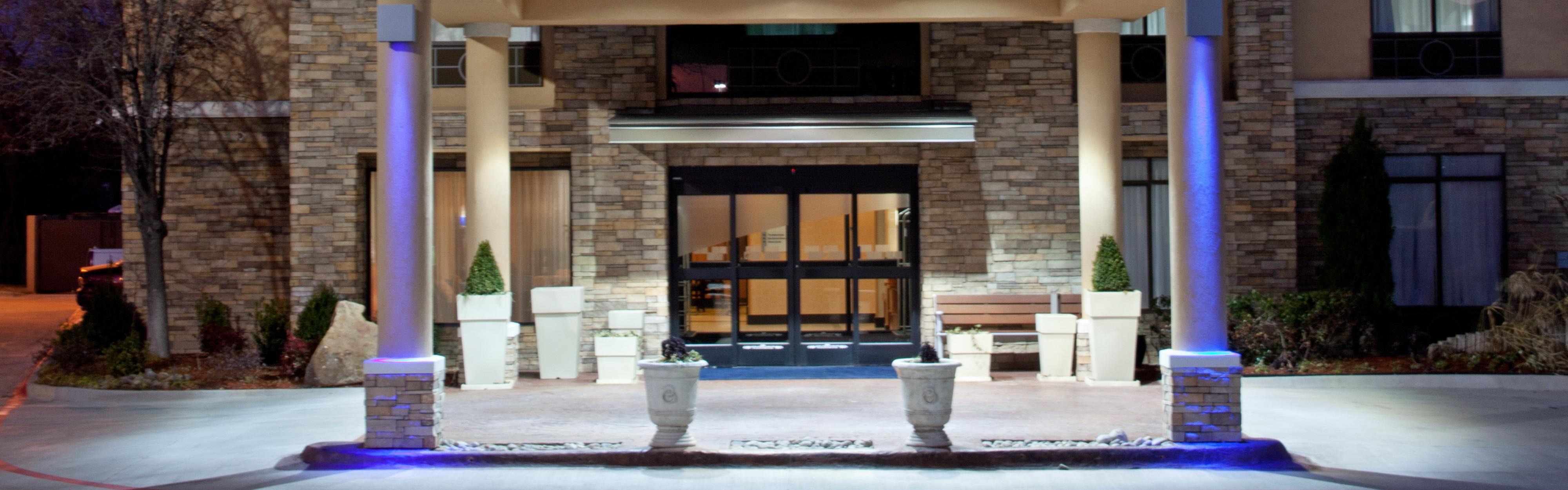 Holiday Inn Express & Suites Arlington (I-20-Parks Mall) image 0