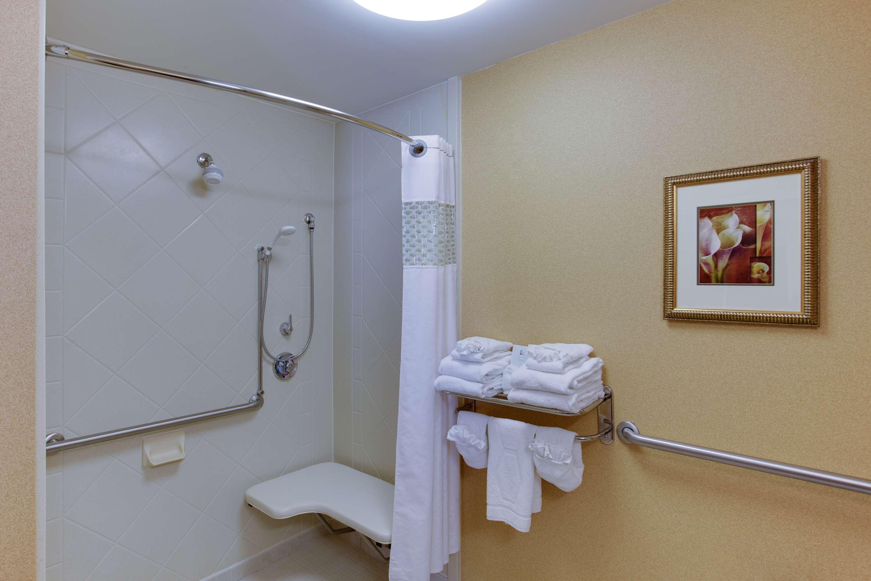 Hampton Inn & Suites Fredericksburg South image 19