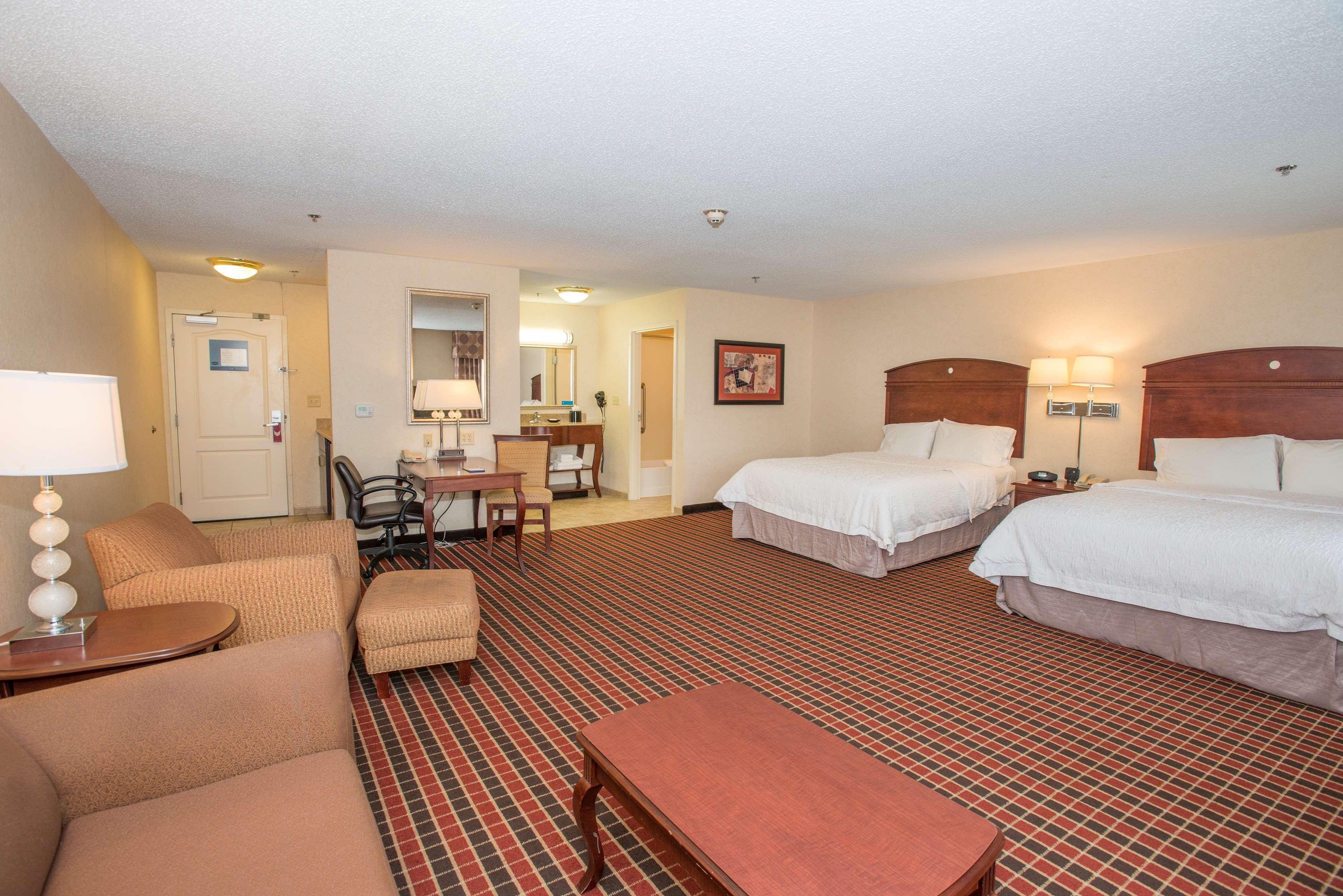 Hampton Inn & Suites Dayton-Airport image 20