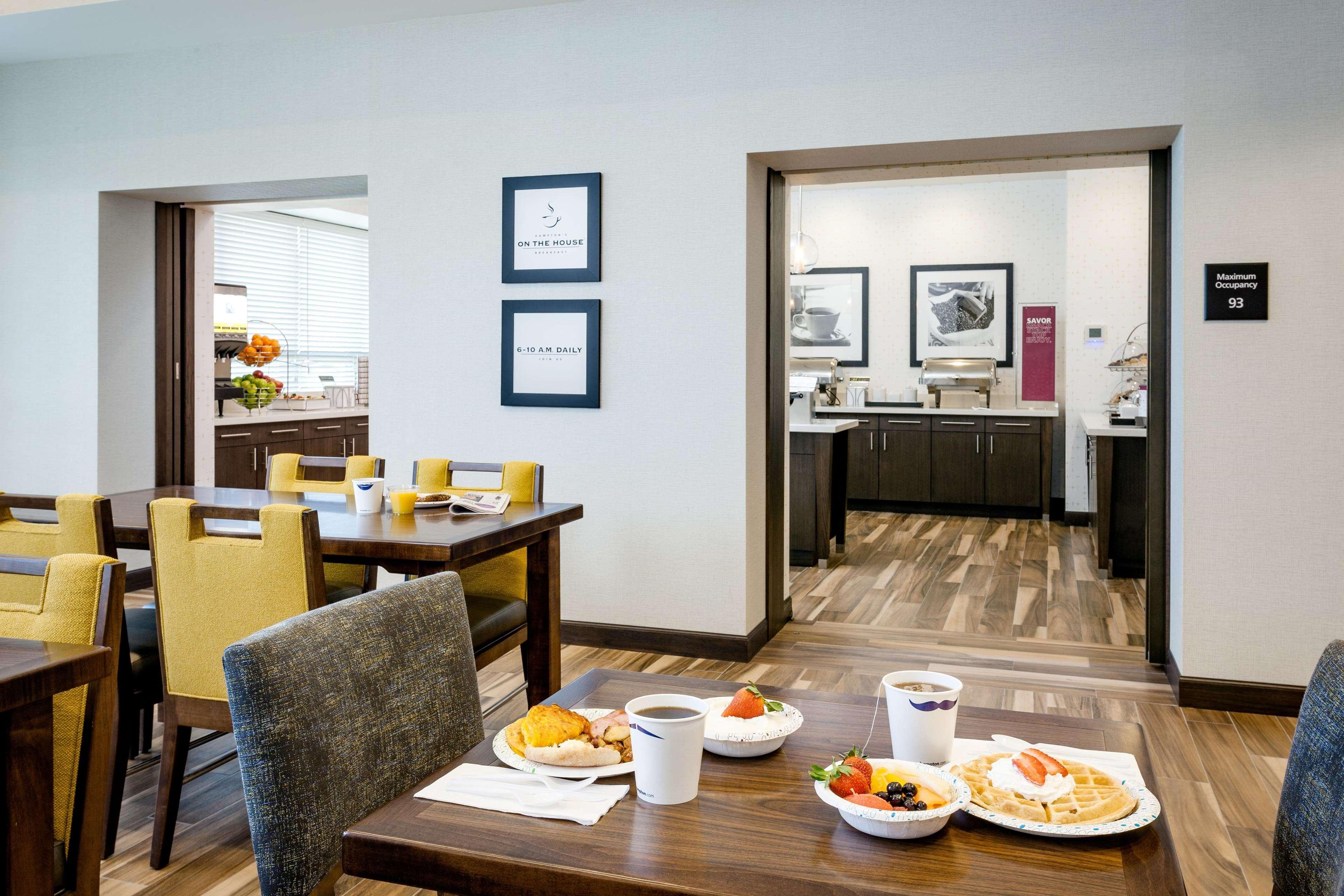 Hampton Inn & Suites by Hilton Seattle/Northgate image 38