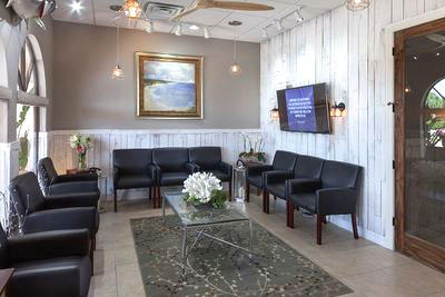 The reception are of Advanced Spinal Care Chiropractic Medspa.
