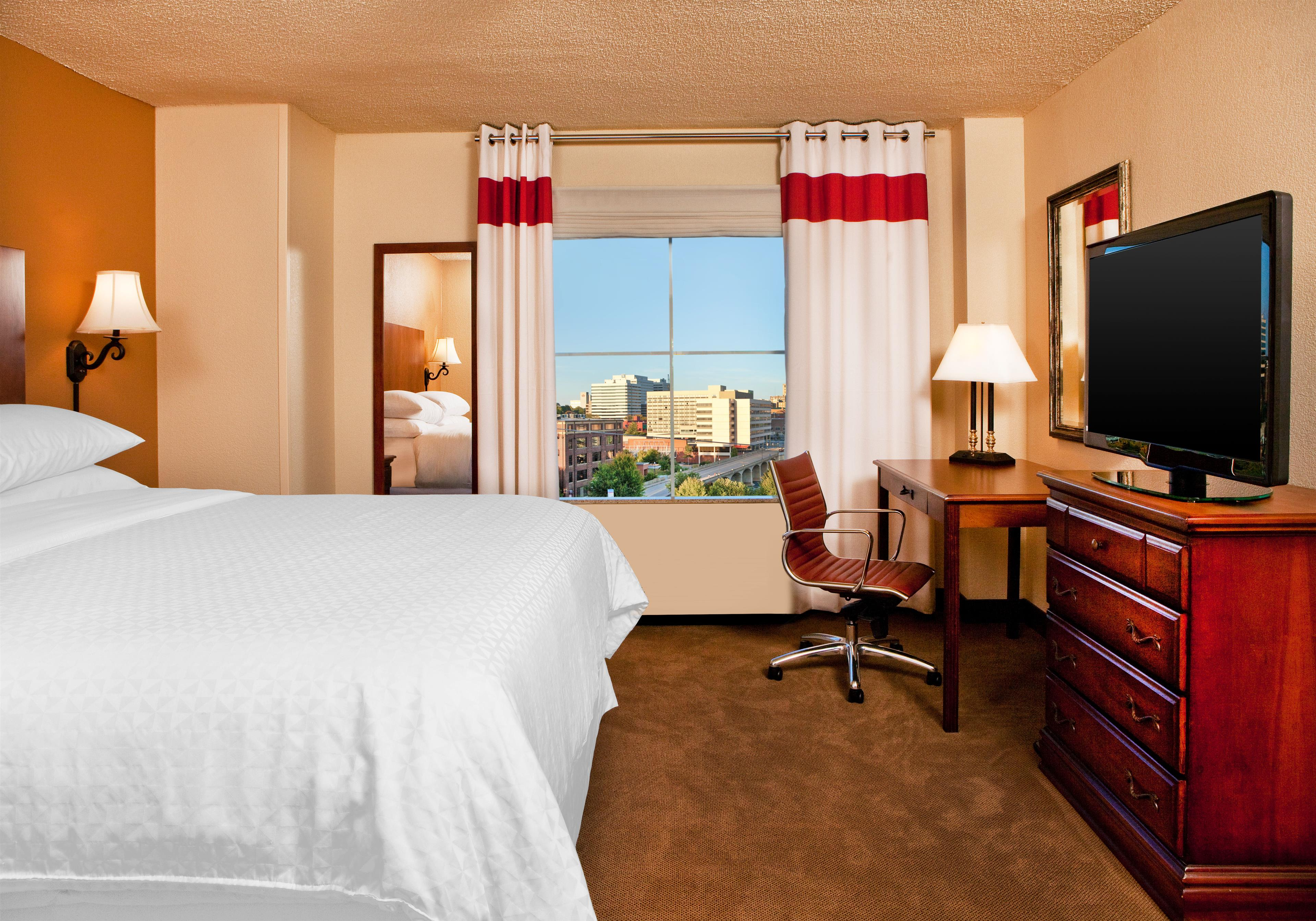 Four Points by Sheraton Knoxville Cumberland House Hotel image 9