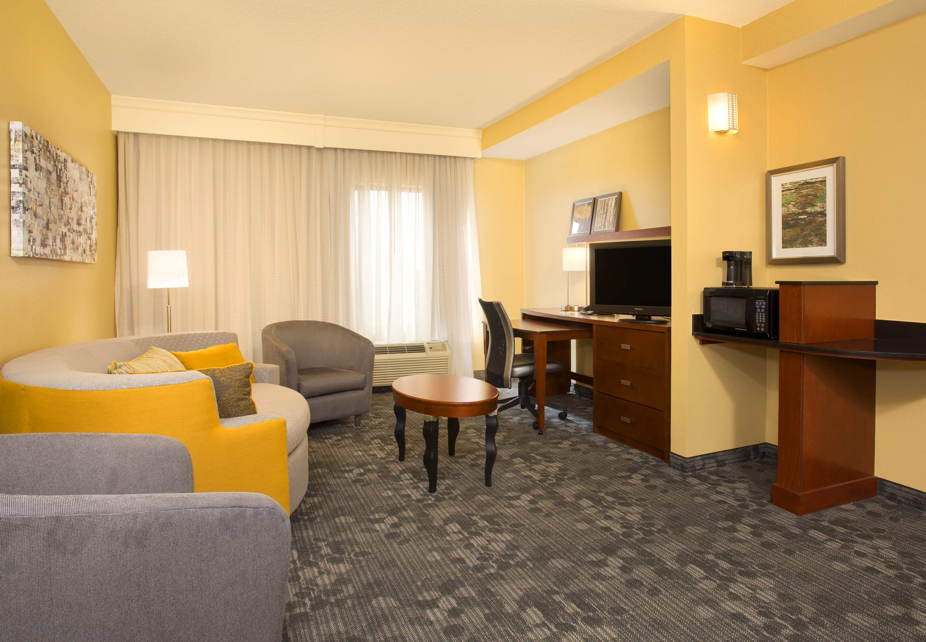 Courtyard by Marriott Austin Airport image 26