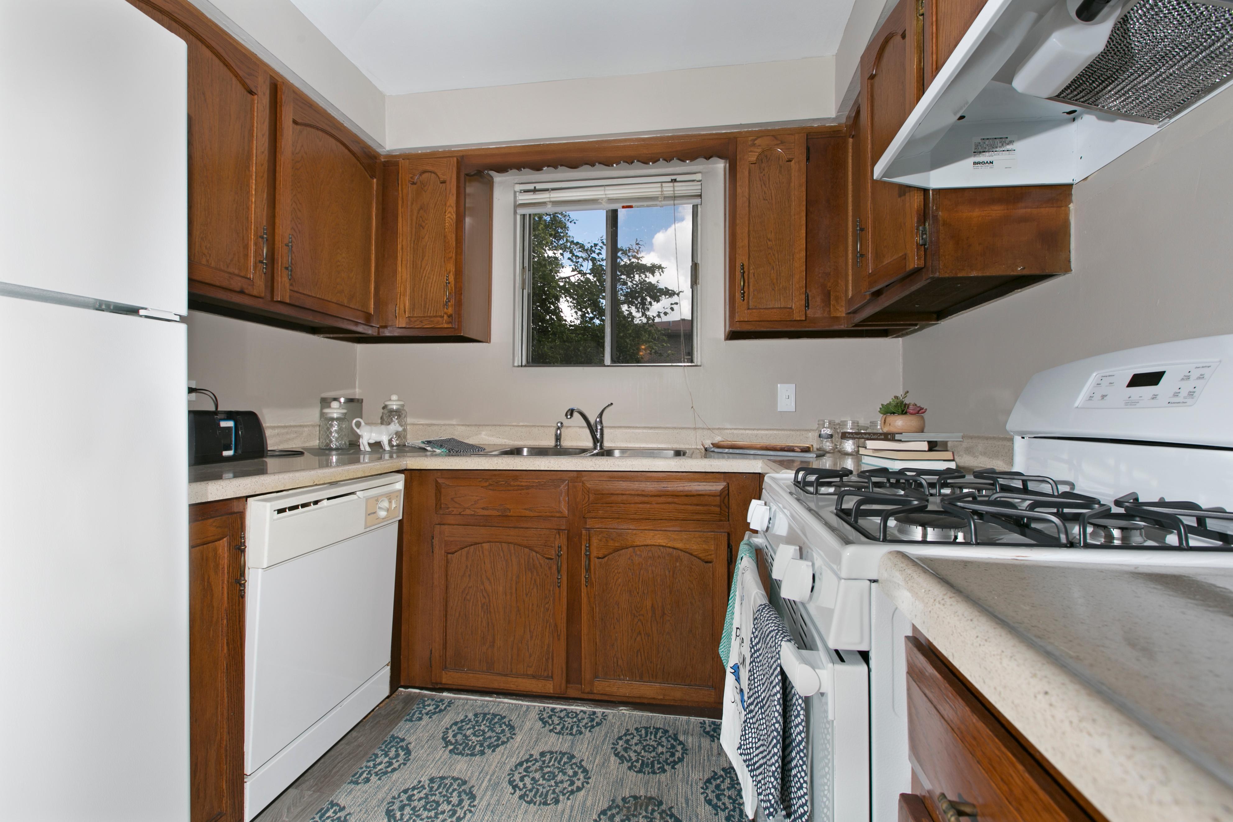 Westmont Village Apartments image 16