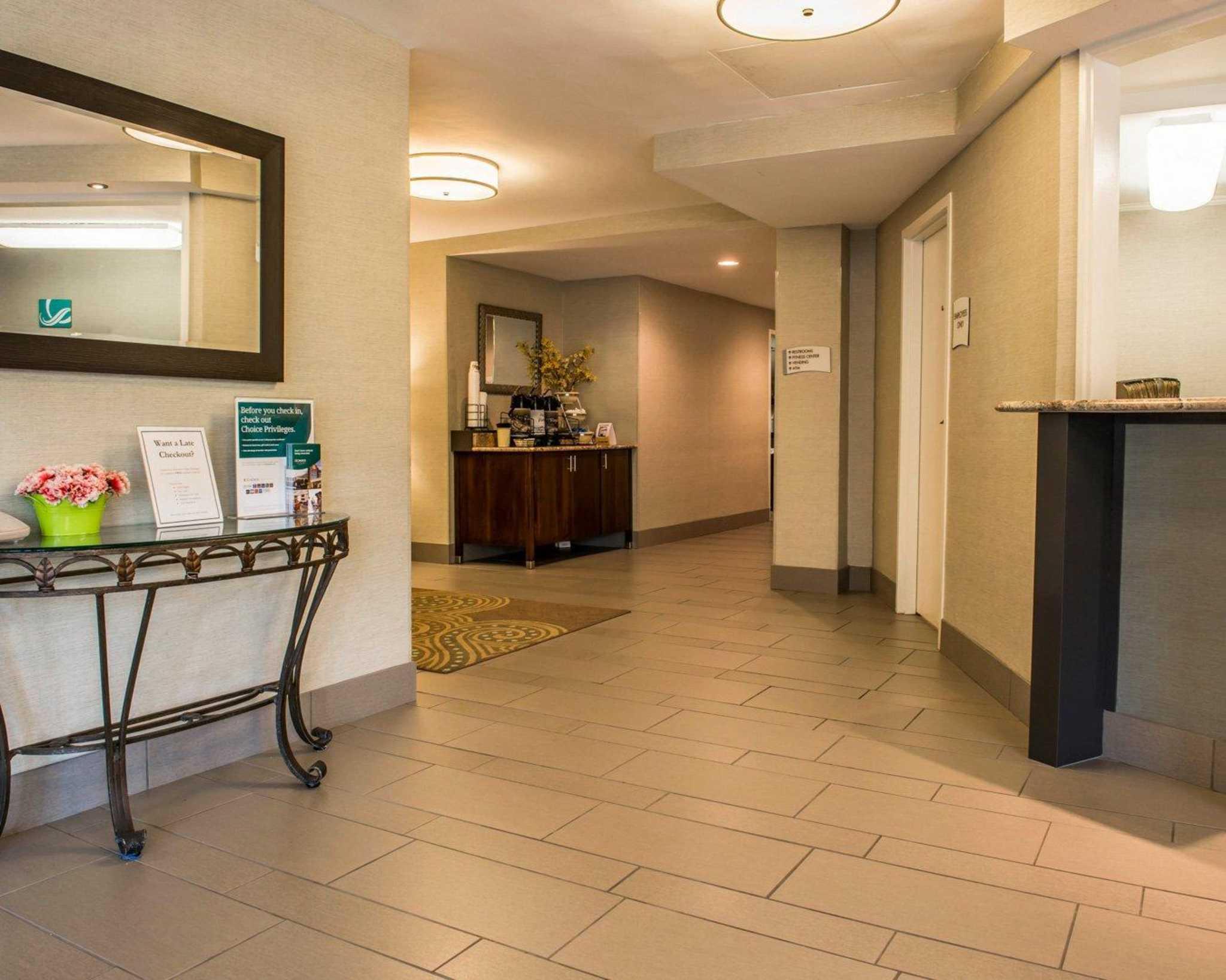 Quality Inn University Center image 7