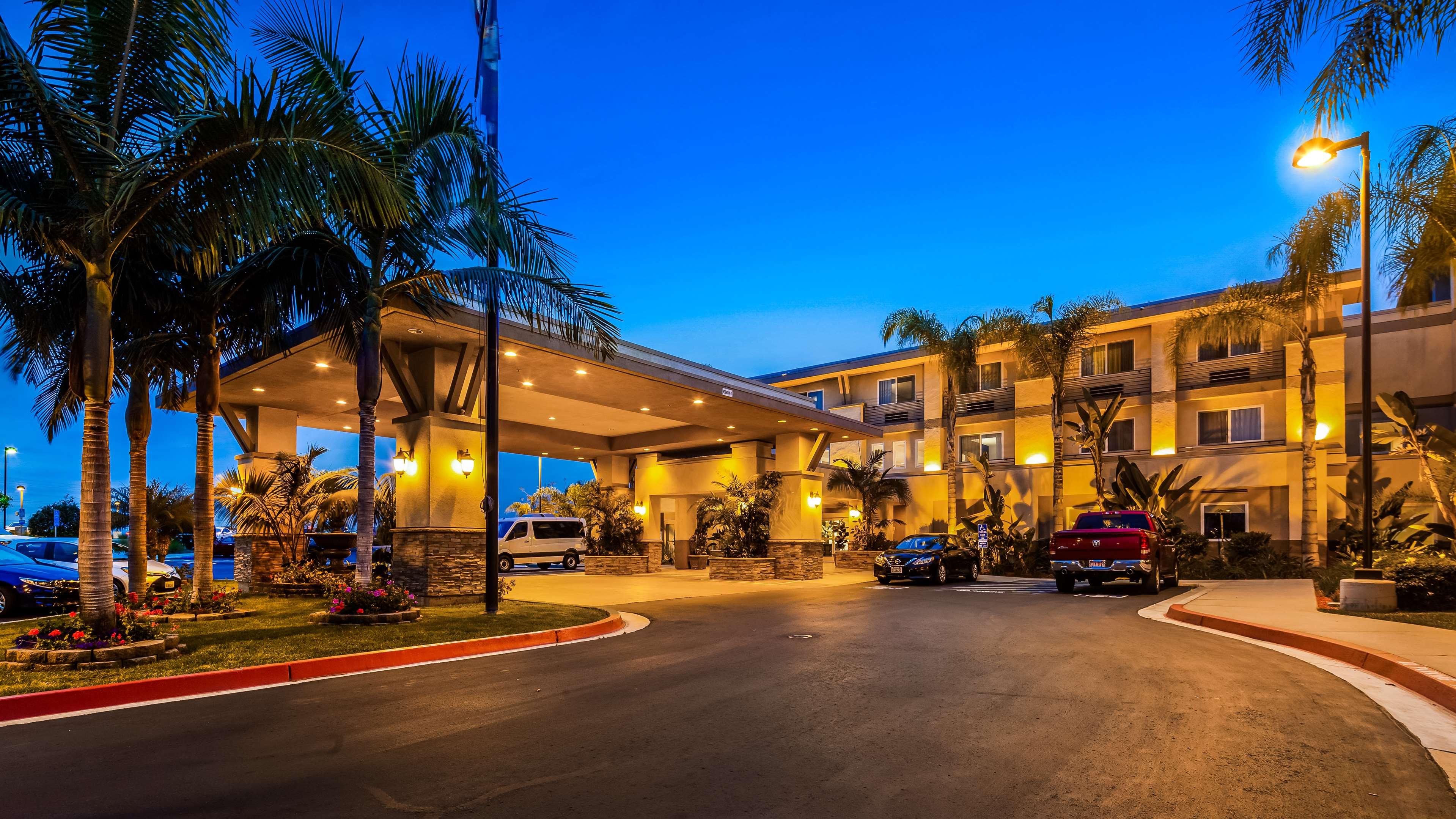 Best Western Plus Marina Gateway Hotel image 0