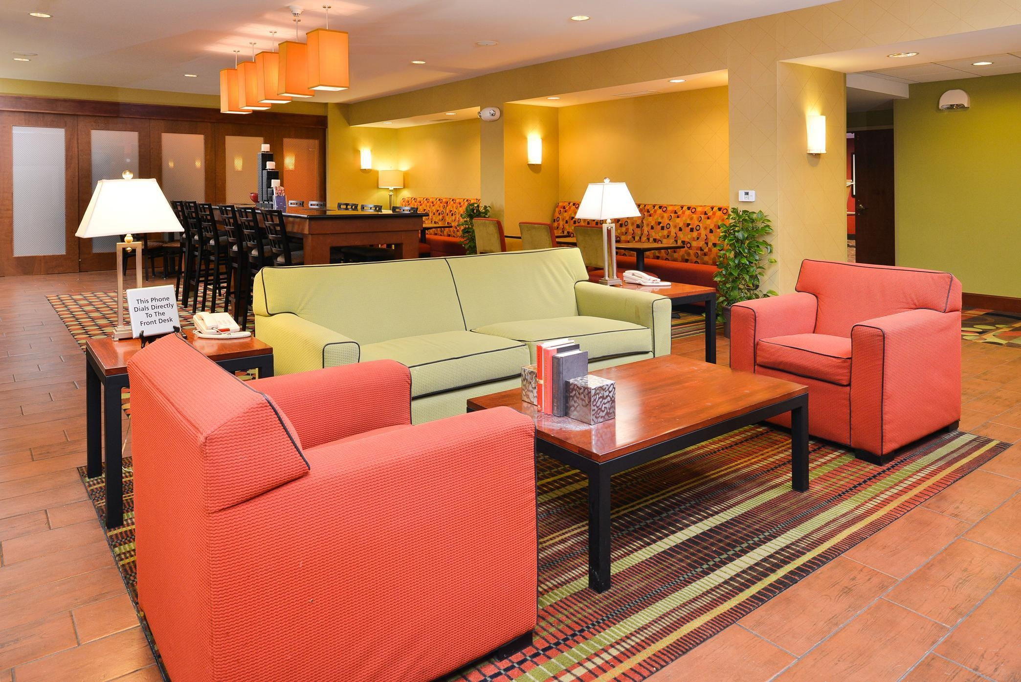 Hampton Inn Yorkville - Perfect Mix Lobby
