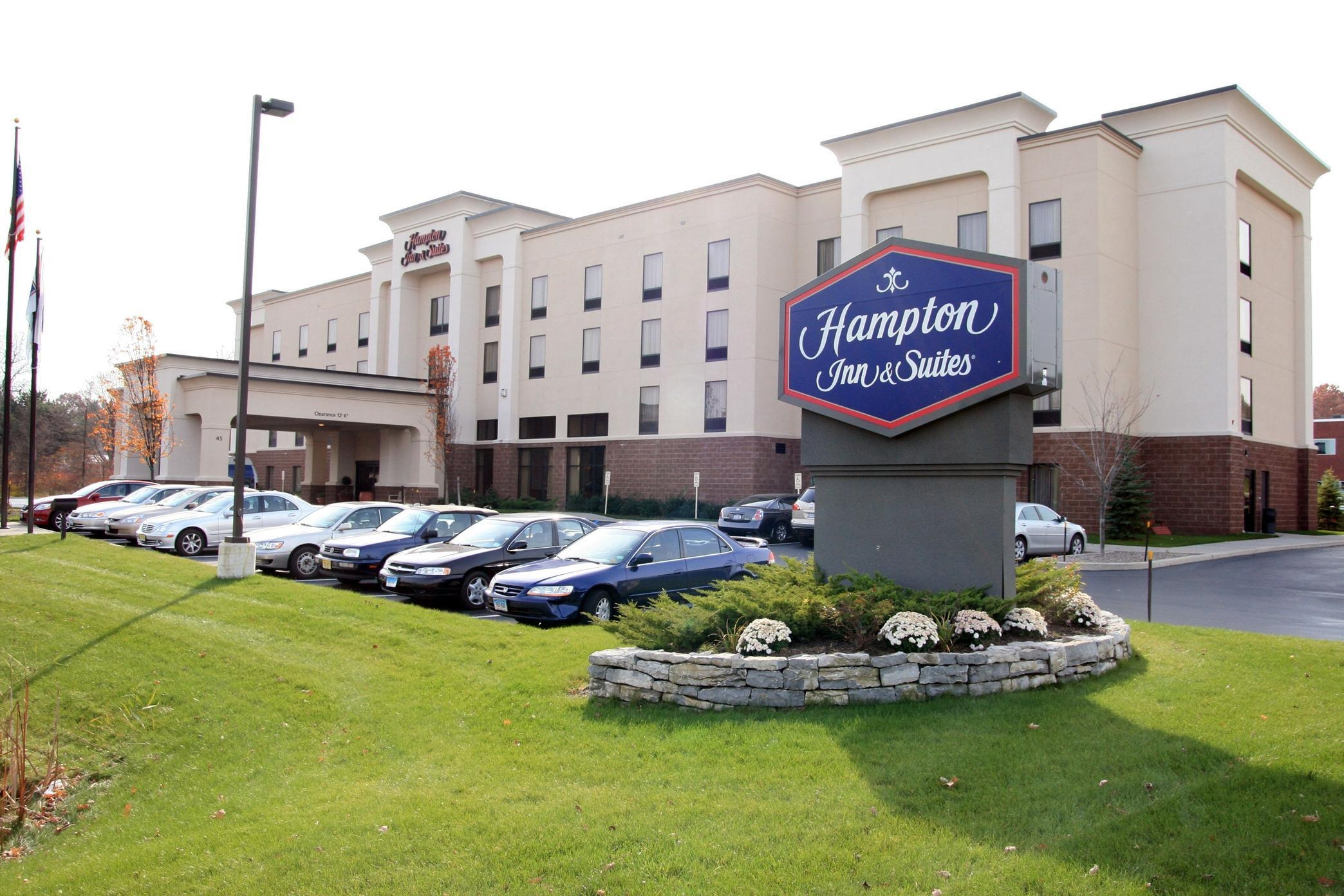 Hampton Inn & Suites Albany-Airport image 0