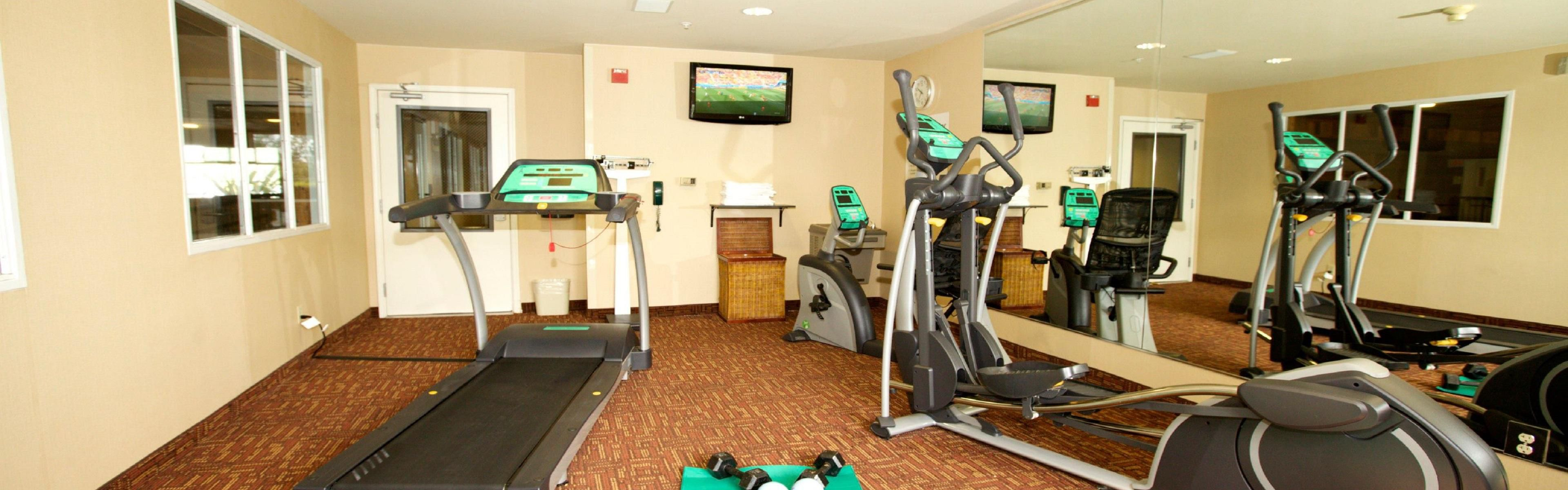 Holiday Inn Express & Suites Watsonville image 2