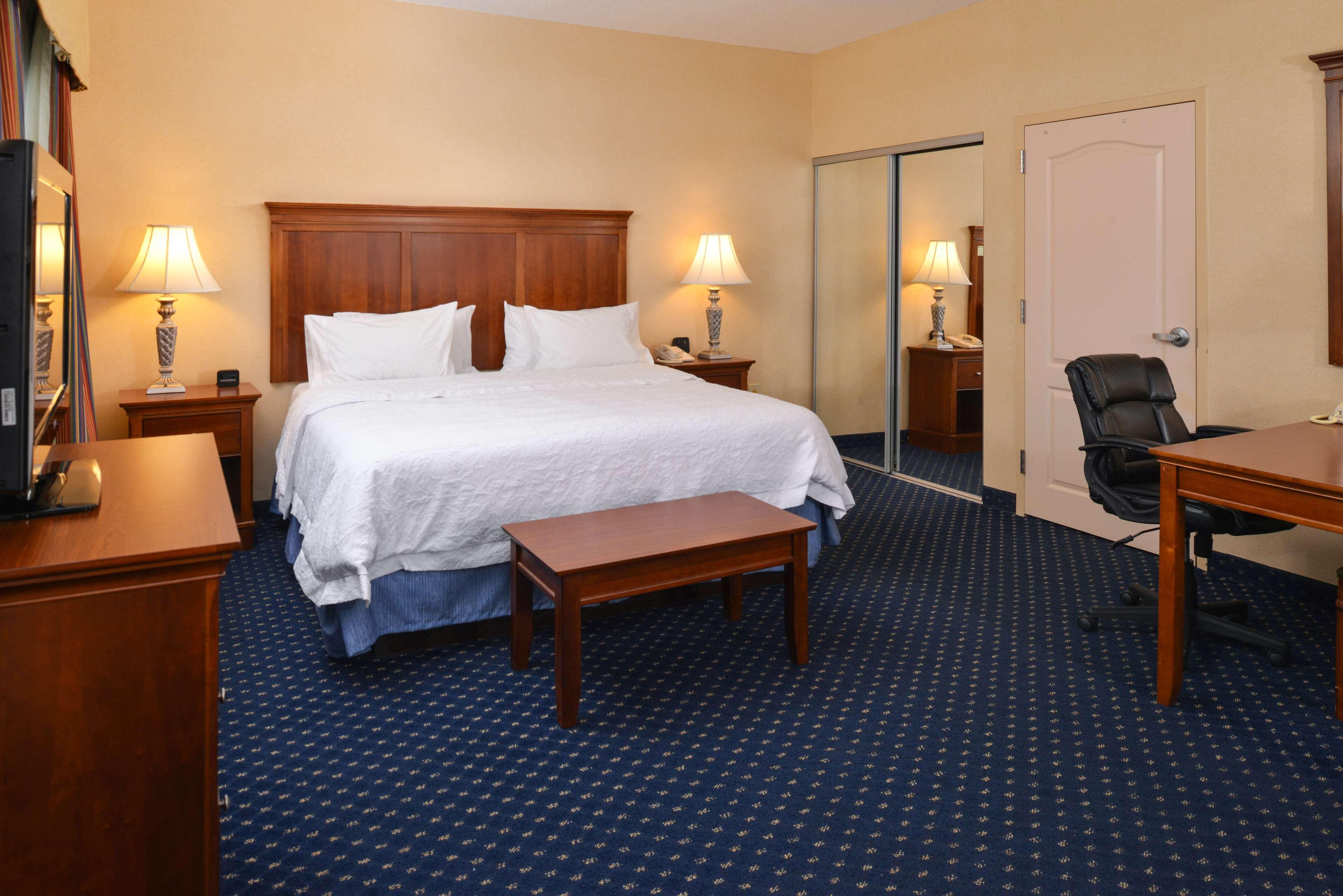 Hampton Inn & Suites Fredericksburg South image 36