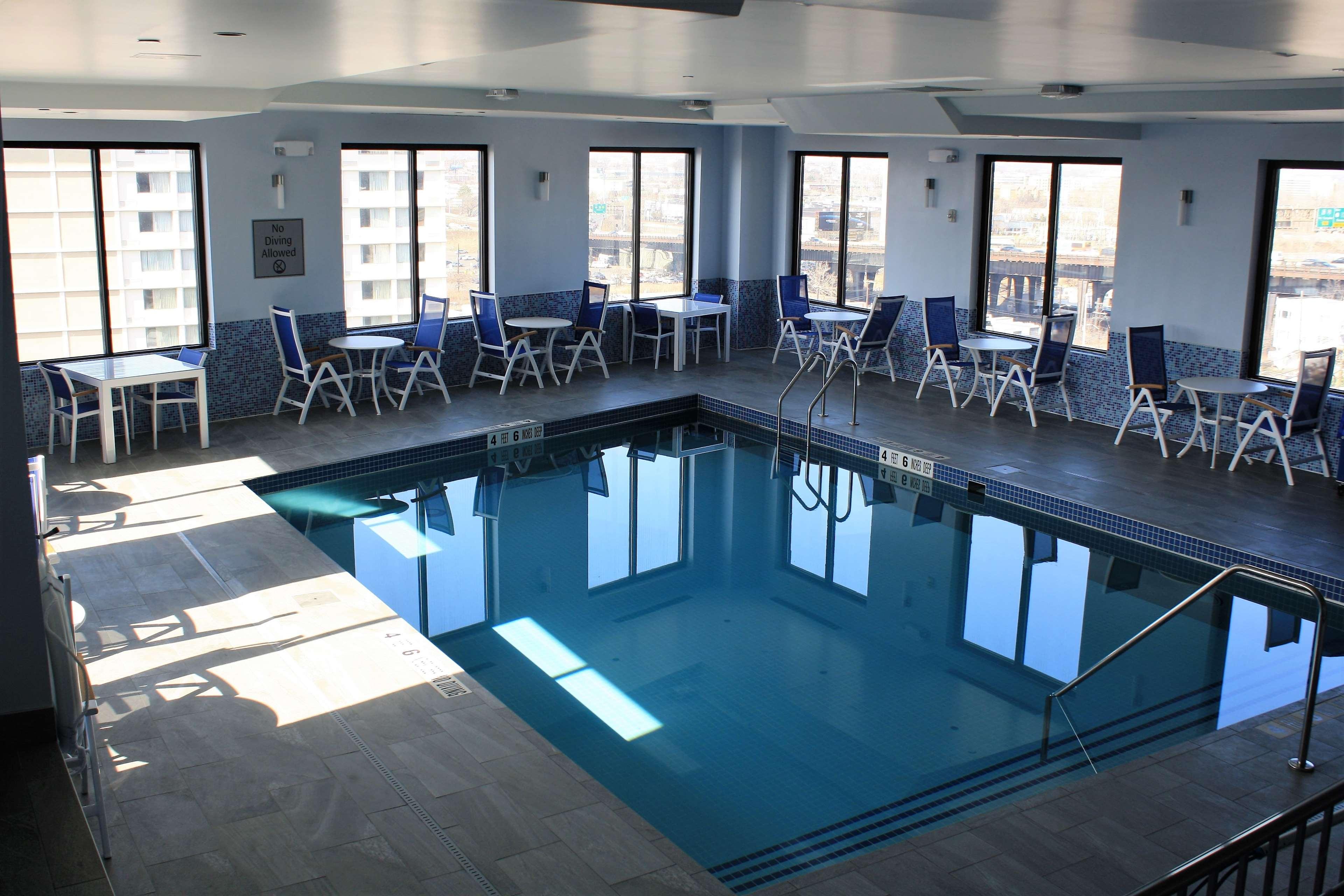Best Western Premier NYC Gateway Hotel image 39