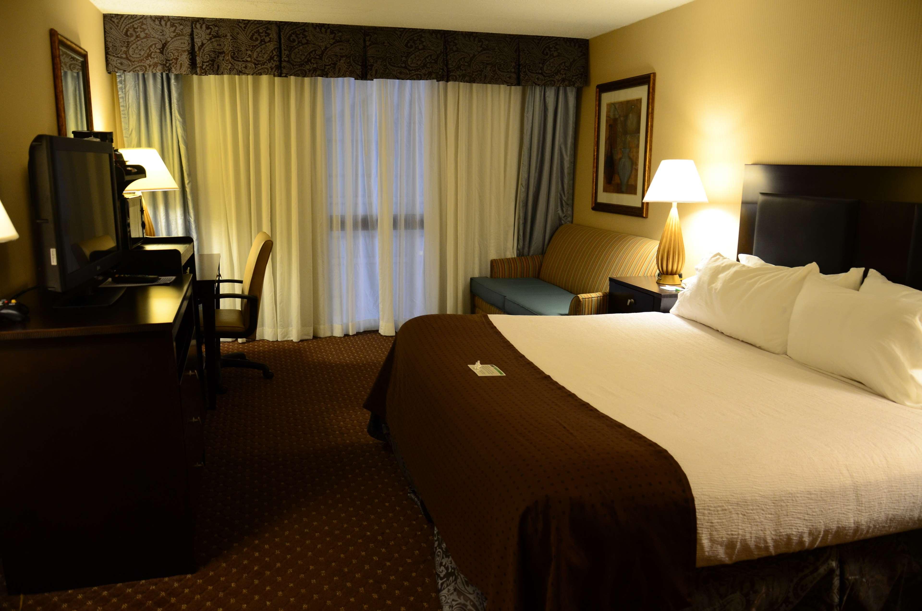 SureStay Plus Hotel by Best Western Kansas City Northeast image 10