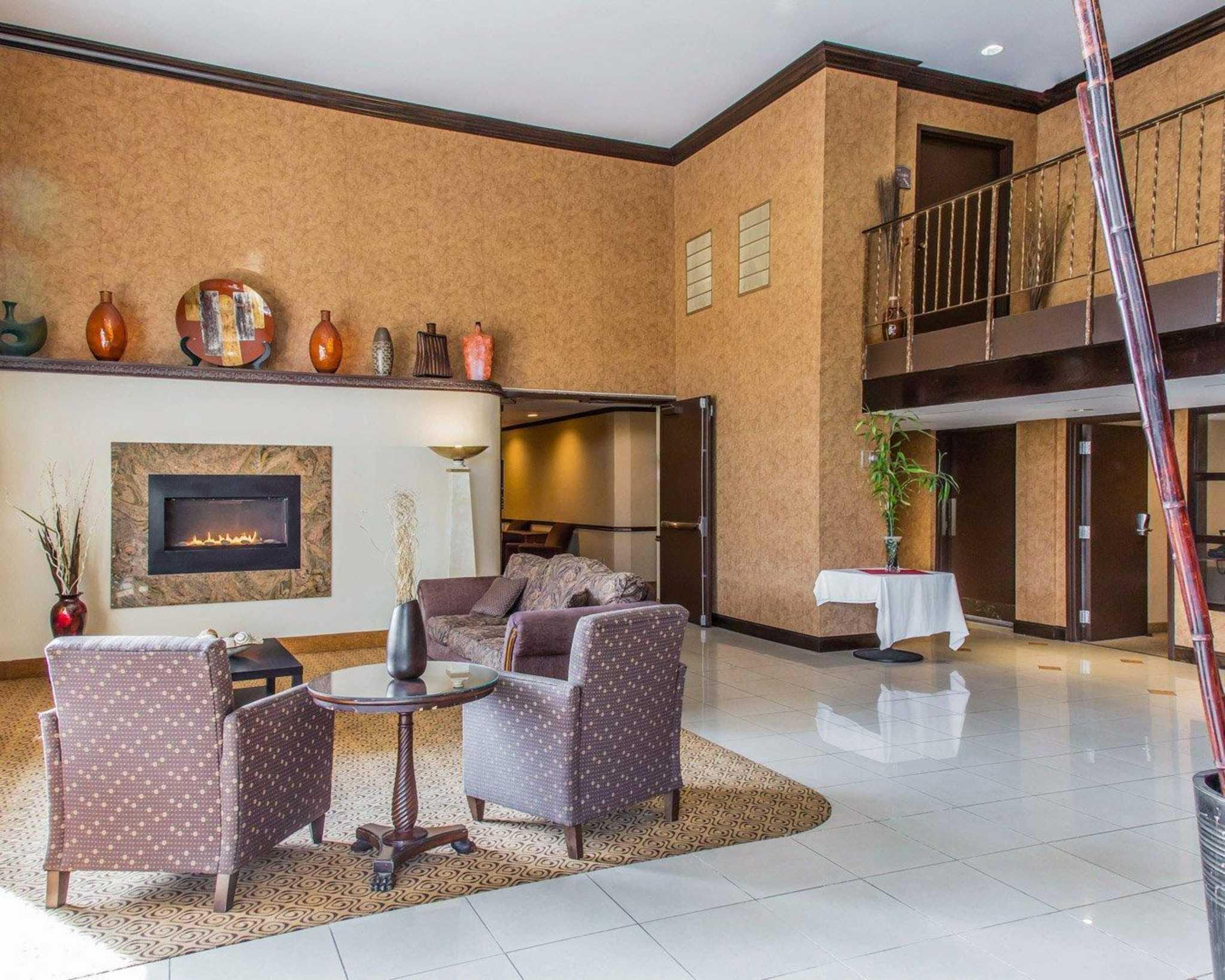 Rodeway Inn & Suites Bradley Airport image 14