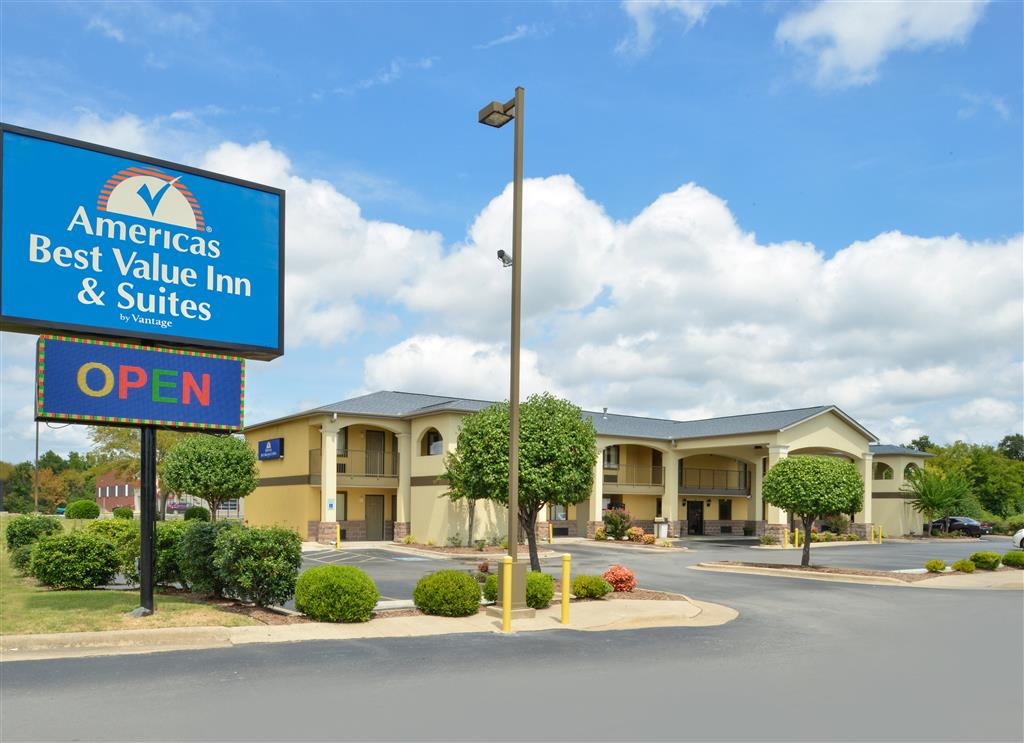 Americas Best Value Inn  U0026 Suites - University Avenue In Little Rock  Ar