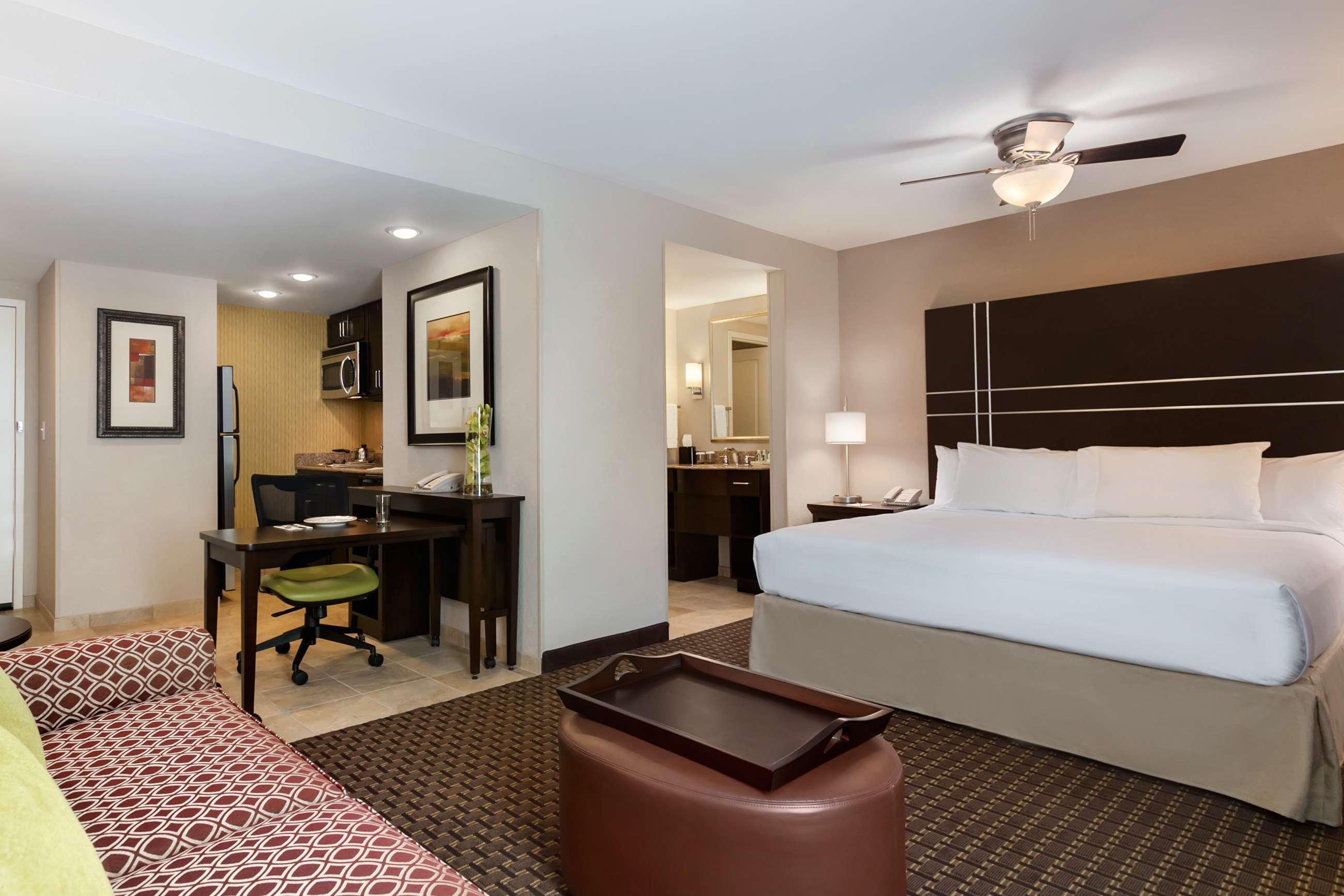 Homewood Suites by Hilton Joplin, MO image 8