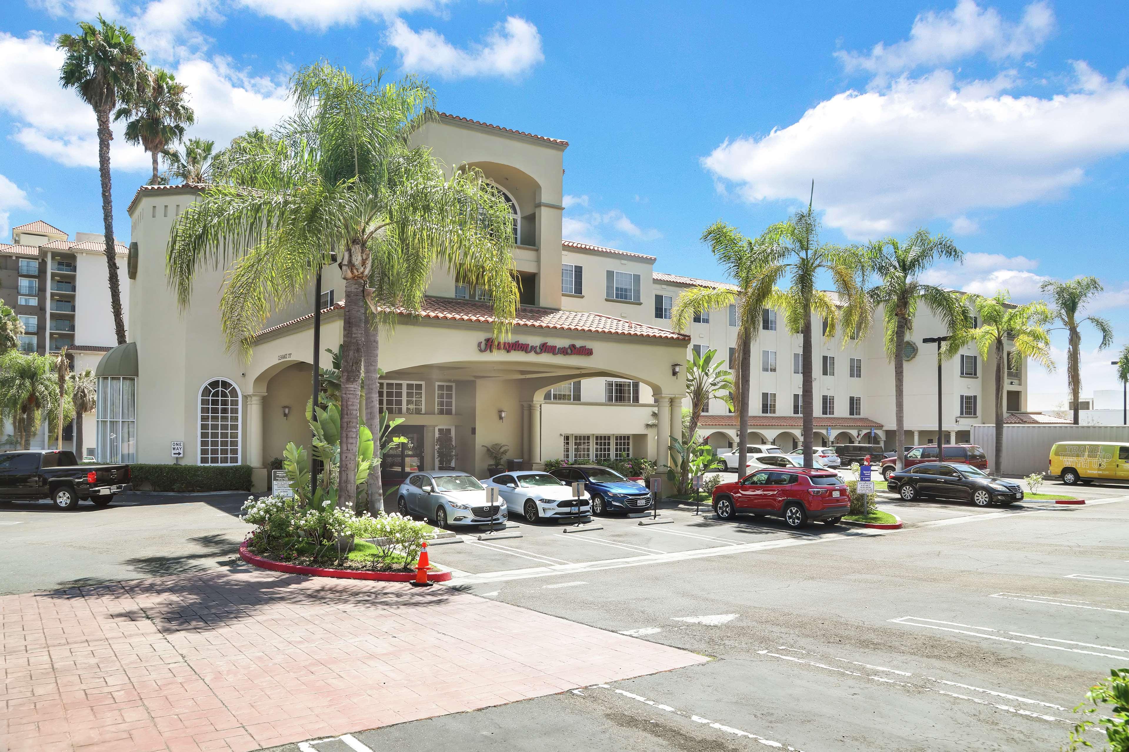 Hampton Inn & Suites Santa Ana/Orange County Airport in Santa Ana, CA, photo #2